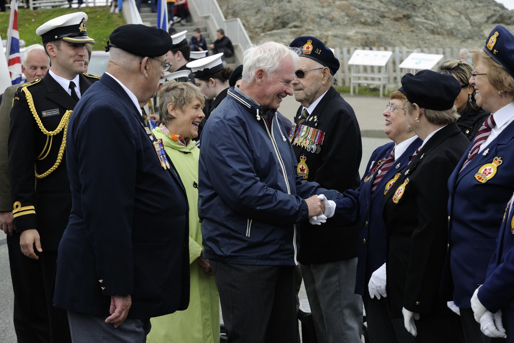 Their Excellencies met with veterans who attended this special ceremony.