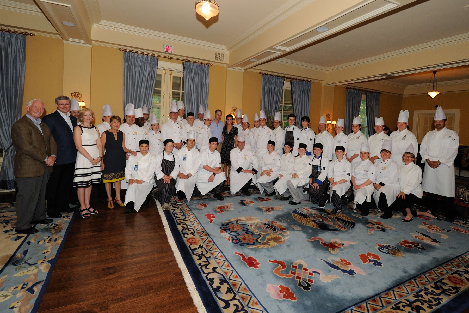 In addition, 22 young culinary professionals and students from across the country were mentored by Rideau Hall chefs as they assisted our culinary team with preparations and service for this evening.