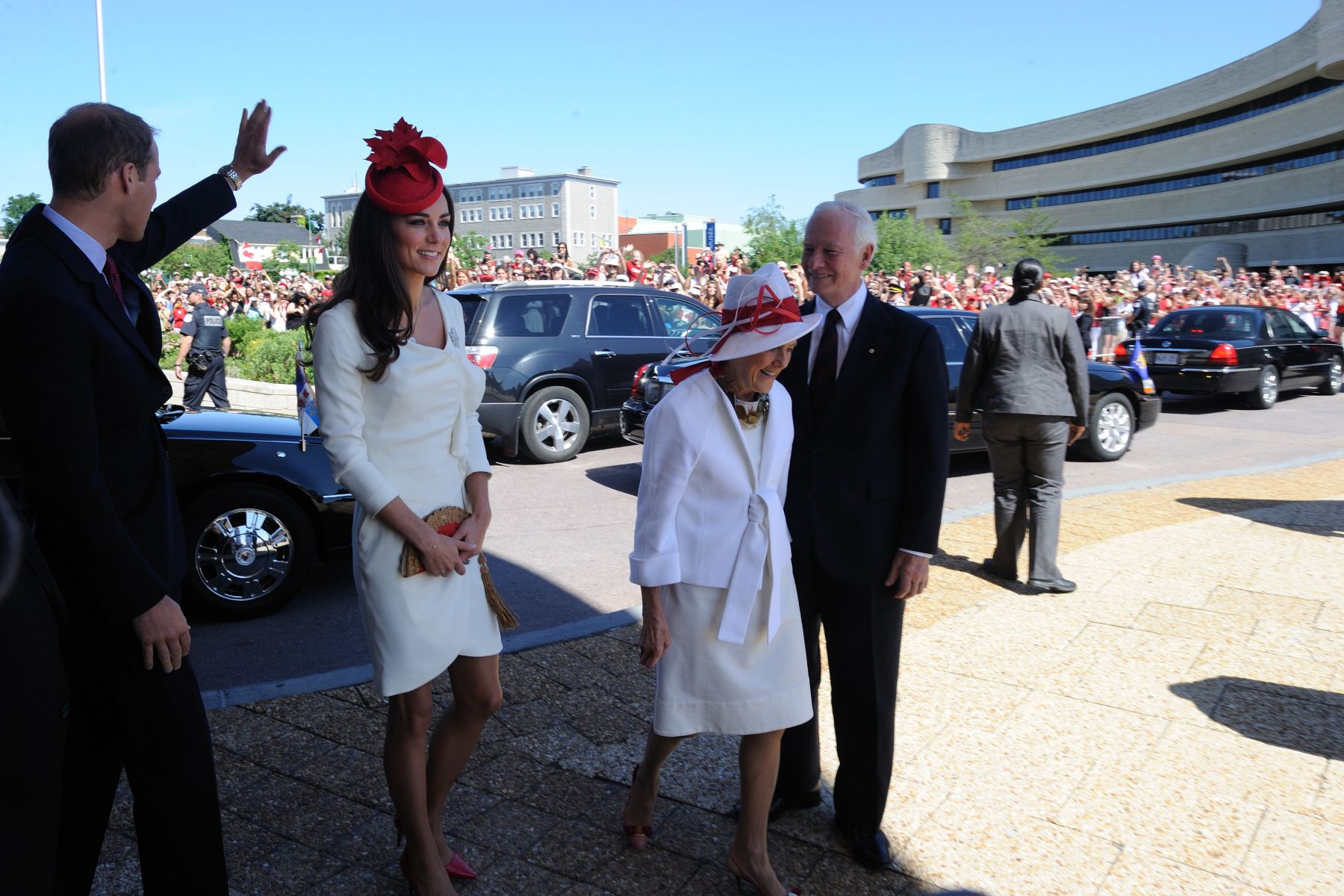 Thousands of Canadians were awaiting the arrival of Their Royal Highnesses The Duke and Duchess of Cambridge and Their Excellencies at the Canadian Museum of Civilisations for the Canada Day Citizenship Ceremony.