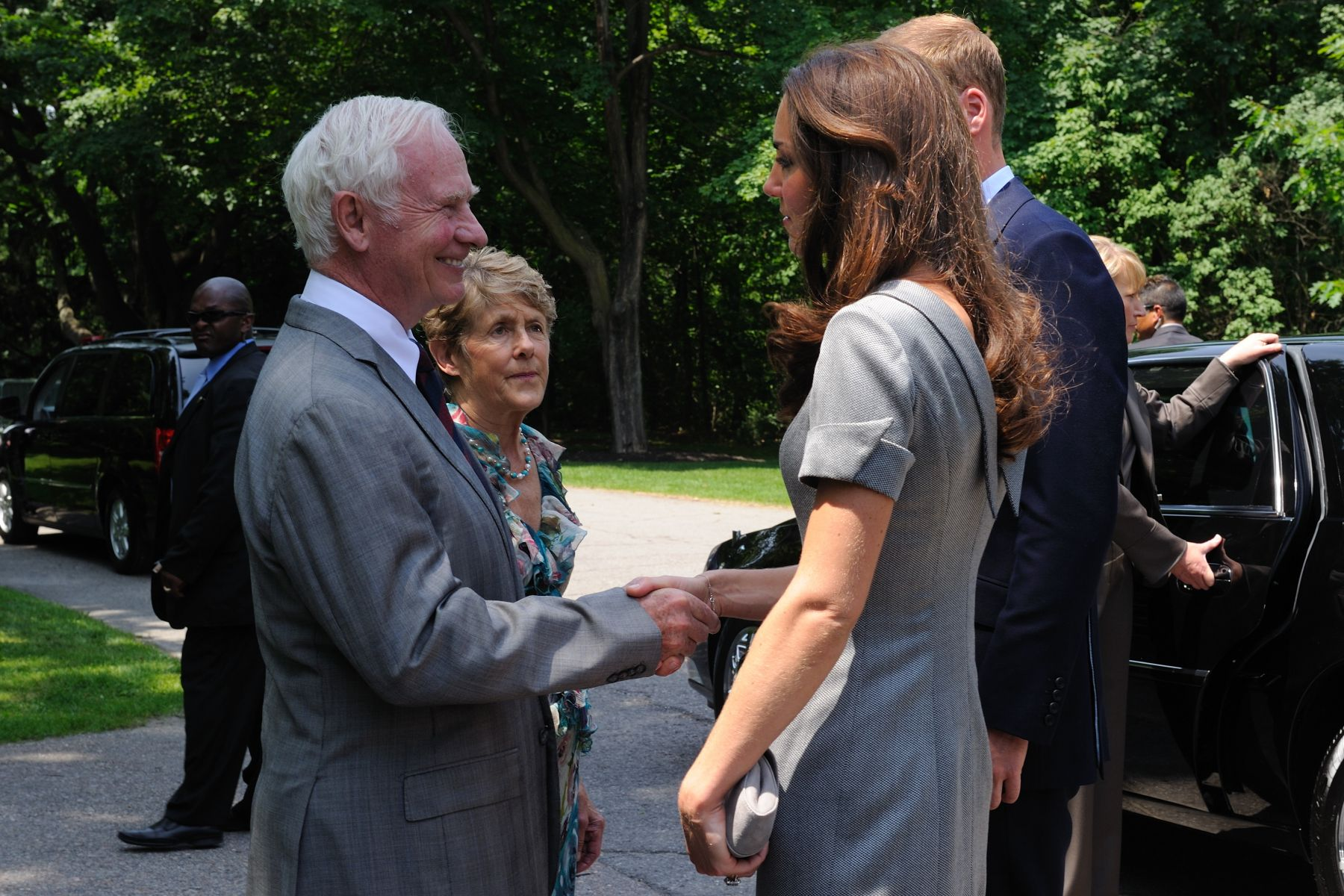 After the ceremony, Their Excellencies said goodbye to Their Royal Highnesses and wished them well on their Royal Tour. On July 8, 2011, Their Excellencies will travel to Calgary to bid them farewell on their official departure from Canada.