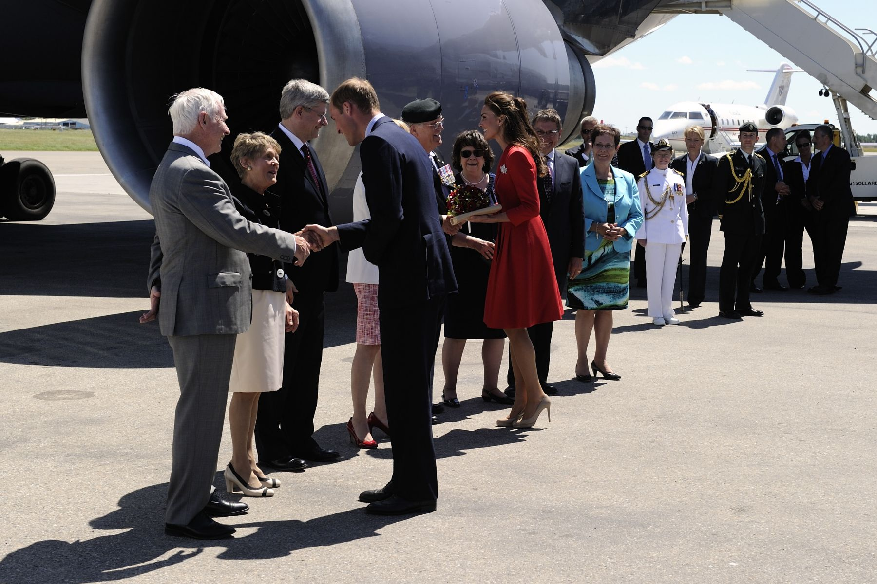 On July 8, 2011, Their Excellencies the Right Honourable David Johnston, Governor General of Canada, and Mrs. Sharon Johnston bid farewell to Their Royal Highnesses The Duke and Duchess of Cambridge in Calgary.