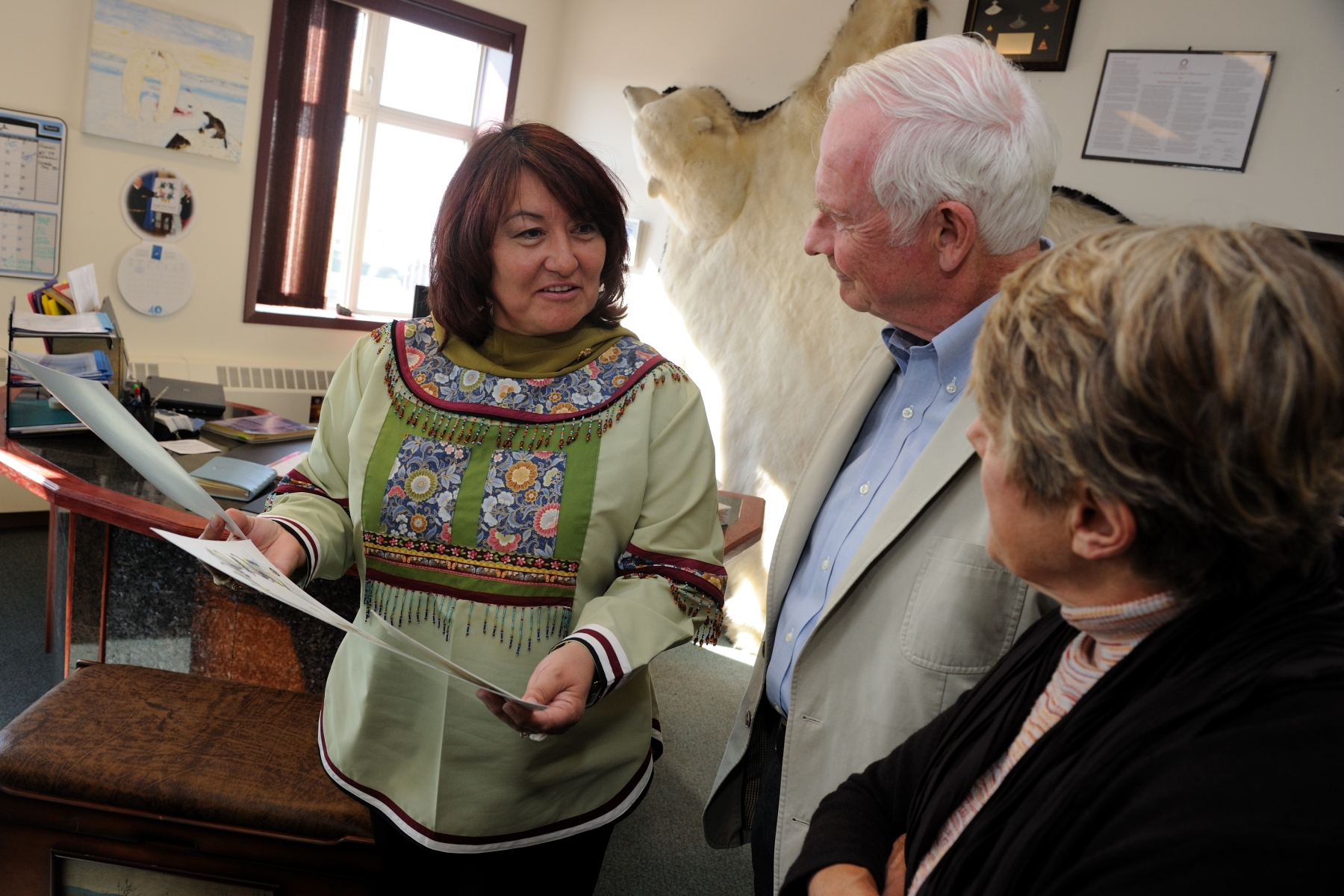 Their Excellencies also met with Ms. Cathy Towtongie, President of Nunavut Tunngavik Inc. (NTI) where they learned about the role of NTI in preserving the rights of the Inuit. Ms. Towtongie also showed Their Excellencies work done by local artists.
