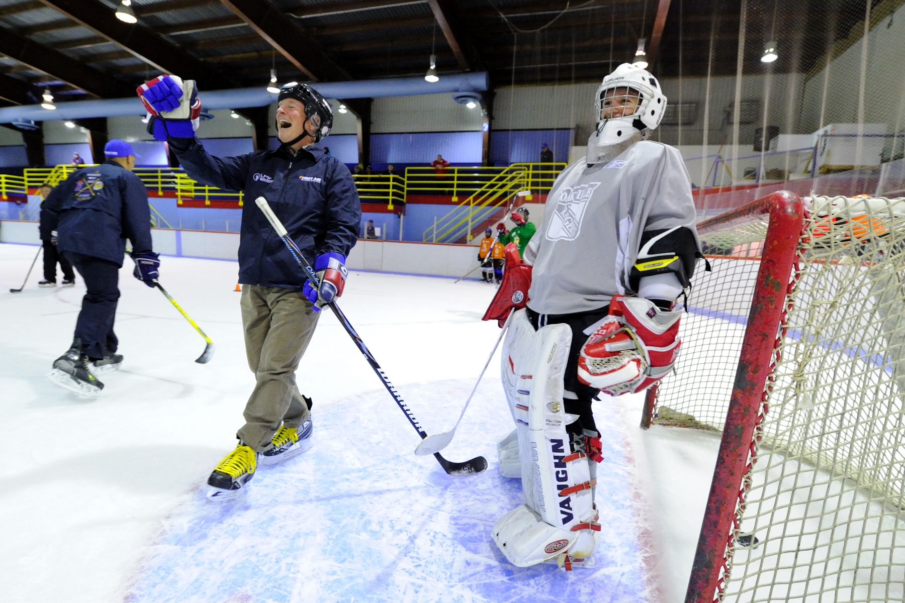 His Excellency also took part in a short series of drills with the players and coaches of the Nunavut Stars Hockey Camp. The Governor General managed to sneak in a goal past a young goalie.