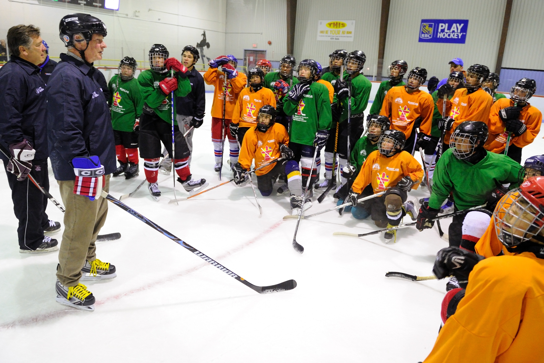 His Excellency met with the Nunavut Stars Hockey Camp participants (aged 15 to 19) during an on-ice training session at the Arnaitok Arena in Iqaluit.