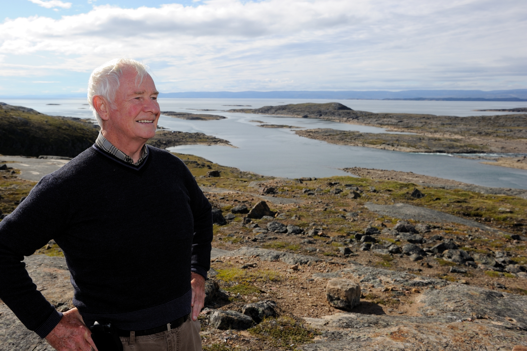 On the third day of his official visit to Nunavut, the Governor General spent some time hiking in the Sylvia Grinnell Territorial Park.