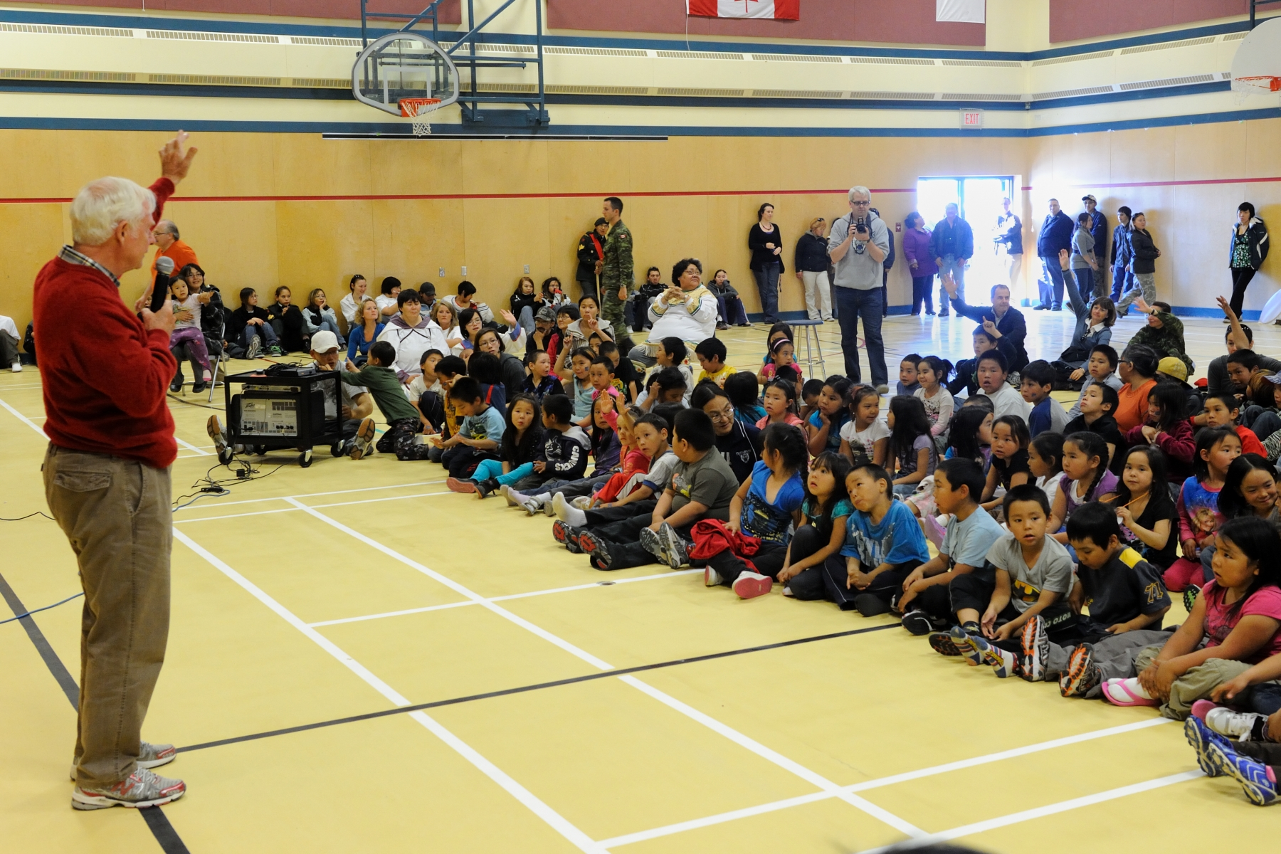 The Governor General said a few words to the students of the Tusarvik School.