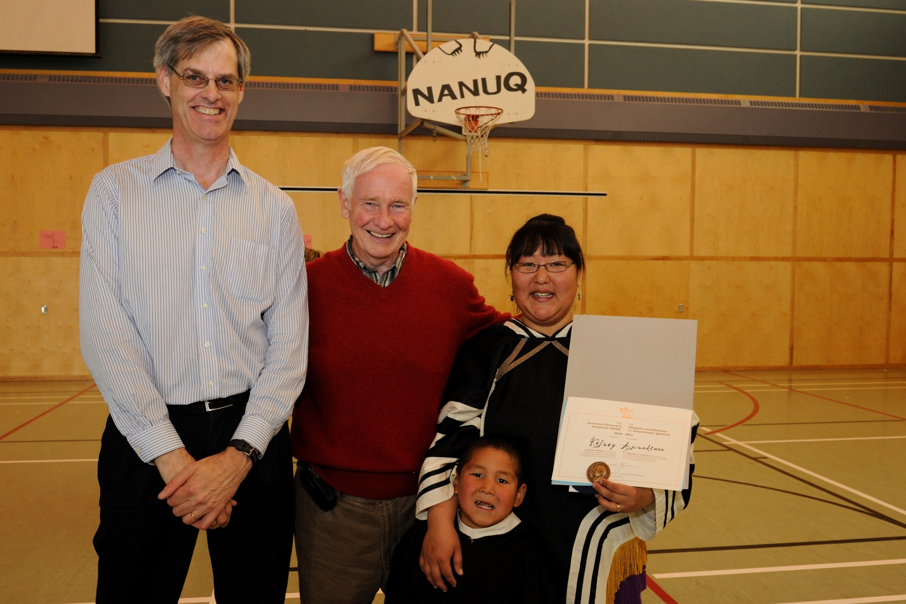 His Excellency awarded the Bronze Governor General's Academic Medal to an outstanding student at the Kugaaruk School.