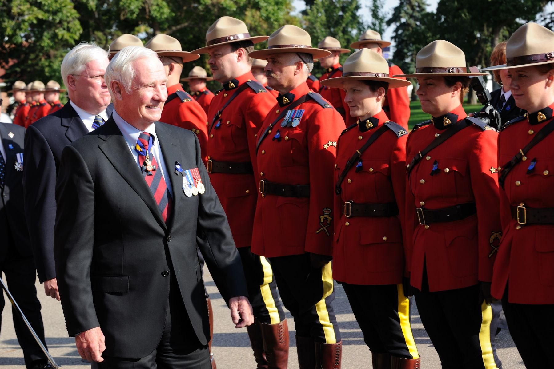 Accompanied by RCMP Commissioner William Elliott, His Excellency the Right Honourable David Johnston, Governor General of Canada, attended a parade and ceremony in honour of RCMP members who have died in the line of duty since 1876. The event was held on September 11 at the RCMP National Memorial Ceremony in Regina.