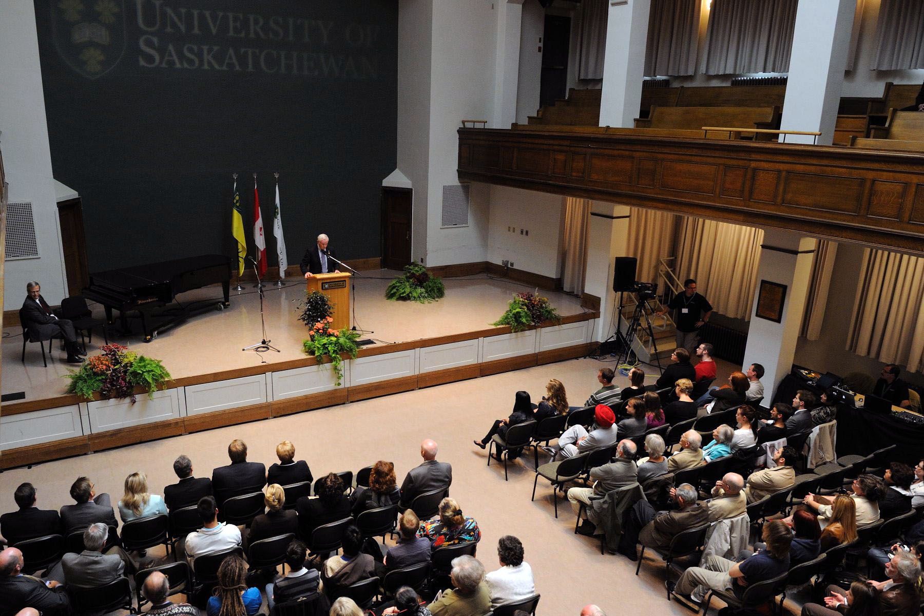 Hundreds of students gathered in Convocation Hall to listen to His Excellency's address.