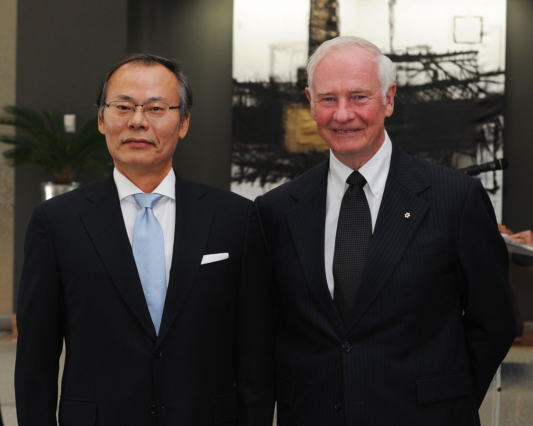 The Governor General received the credentials of His Excellency Nam Joo Hong