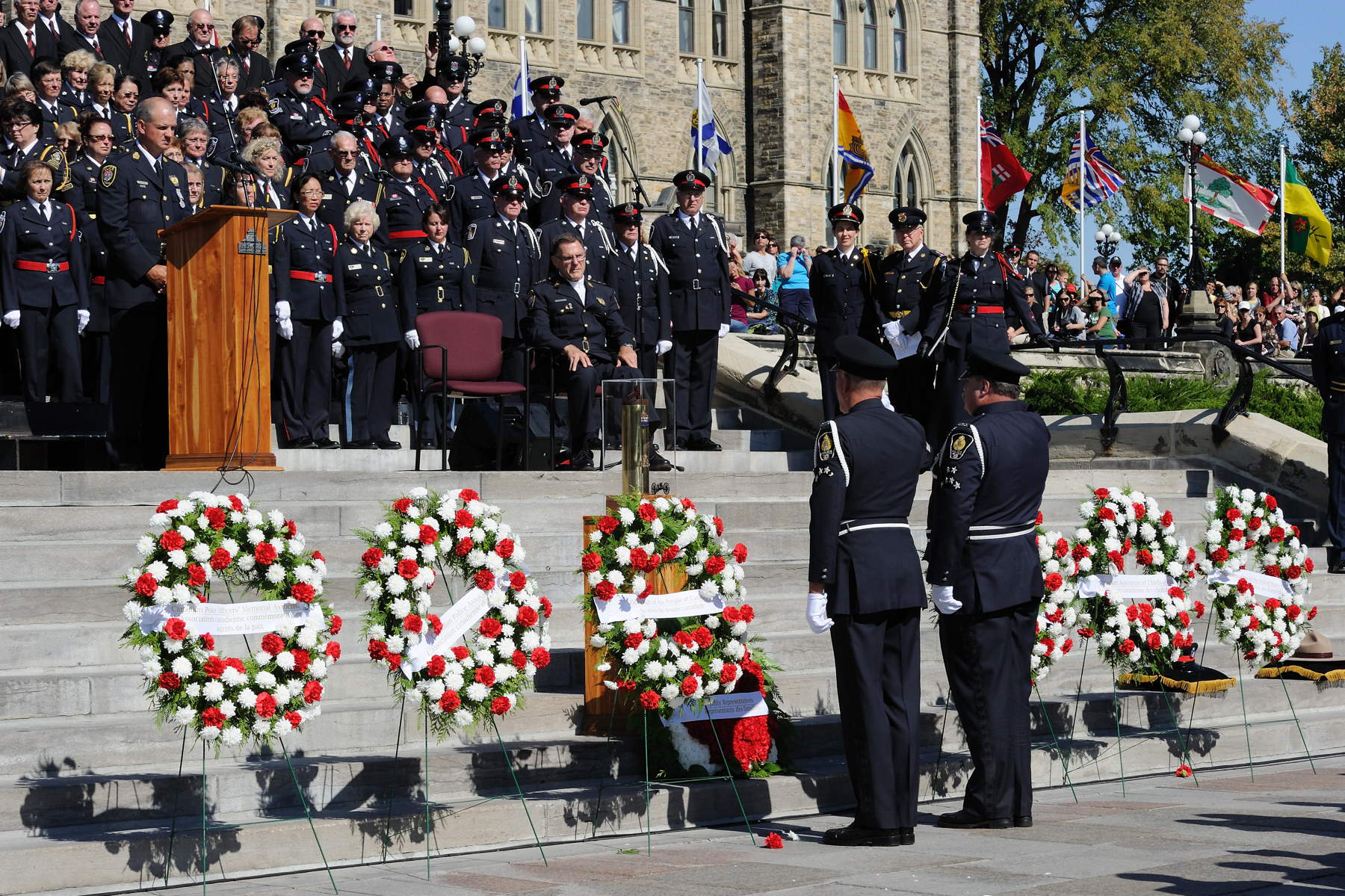 This day of remembrance provides Canadians with an opportunity to formally express appreciation for the dedication of police and peace officers who have made the ultimate sacrifice to keep our communities safe.