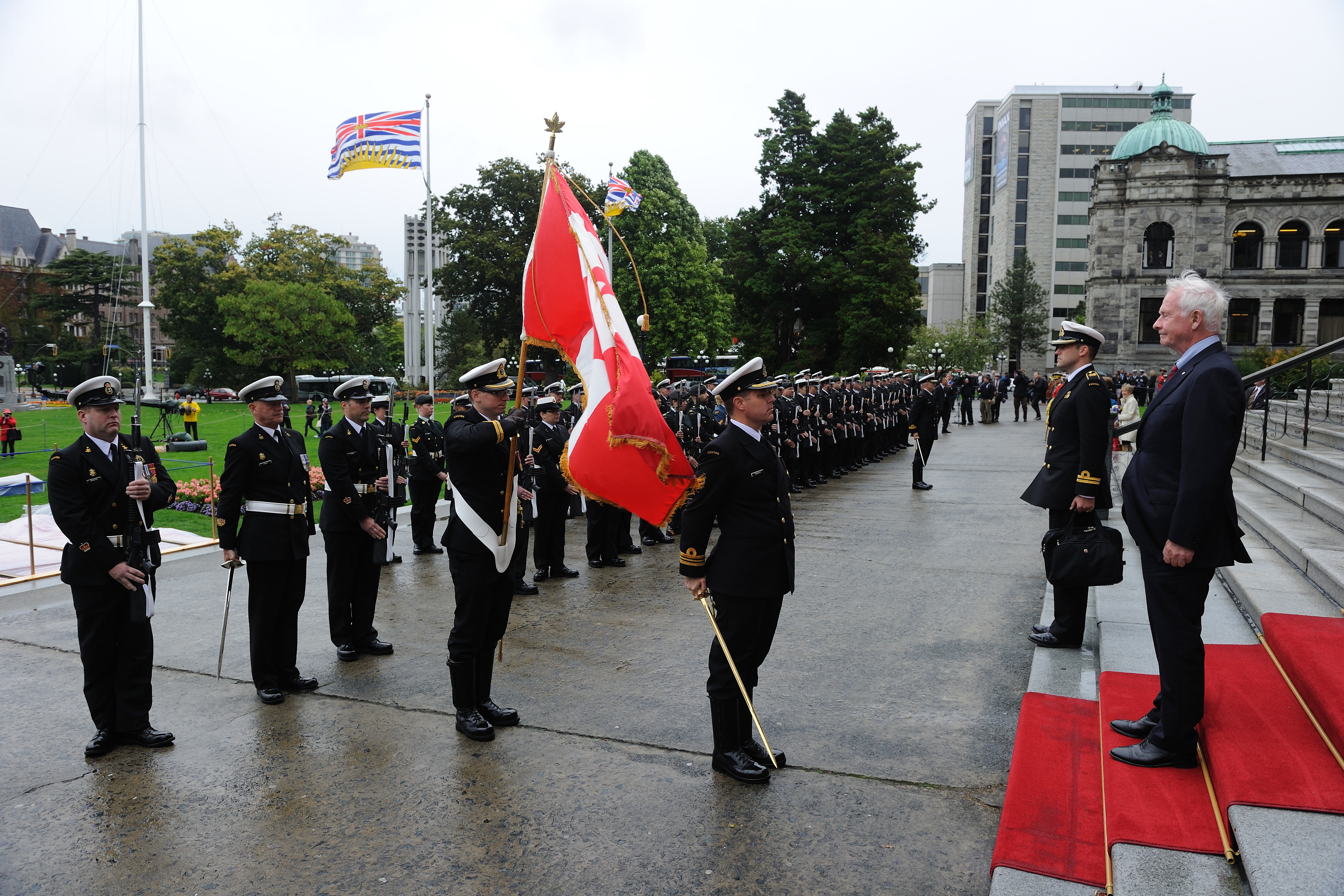 During the official welcoming ceremony, the Governor General was presented with full military honours.