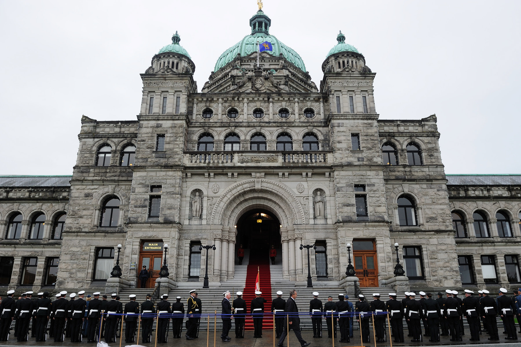 The official visit to British Columbia began in the capital city of Victoria at the Legislative Assembly. The Governor General conducted an inspection of the guard of honour.