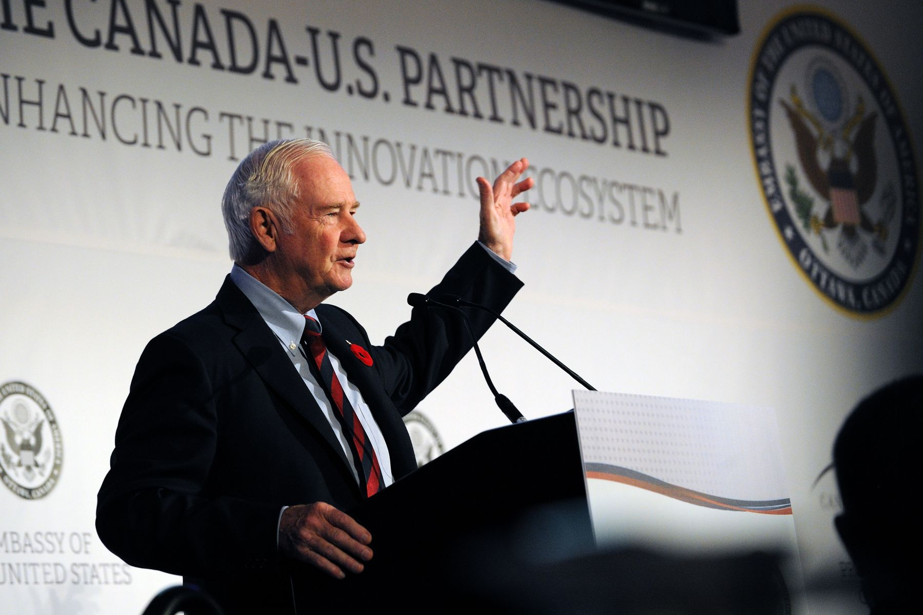 The Governor General encouraged participants to think and dream of the different ways in which both Canada and the United States can continue to be leaders in innovation.