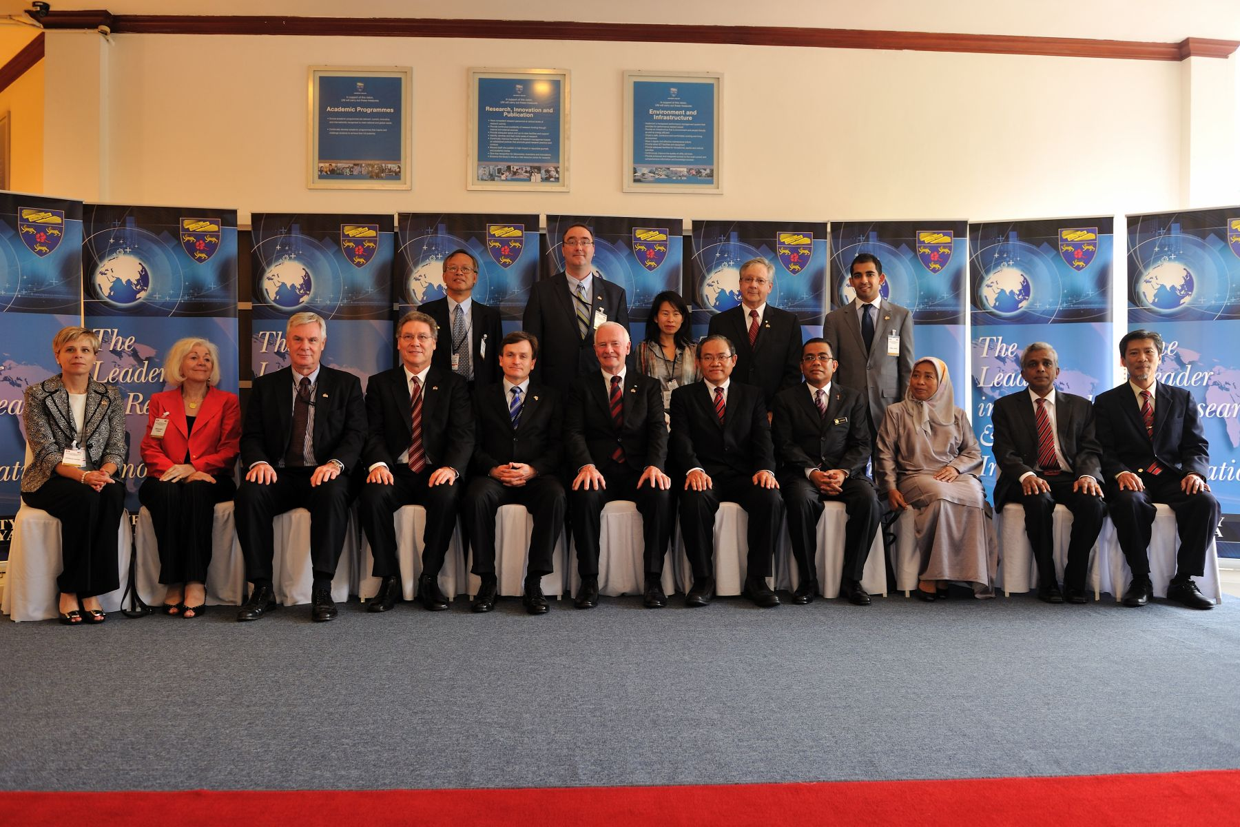 His Excellency visited the University of Malaya where he met with university personel.