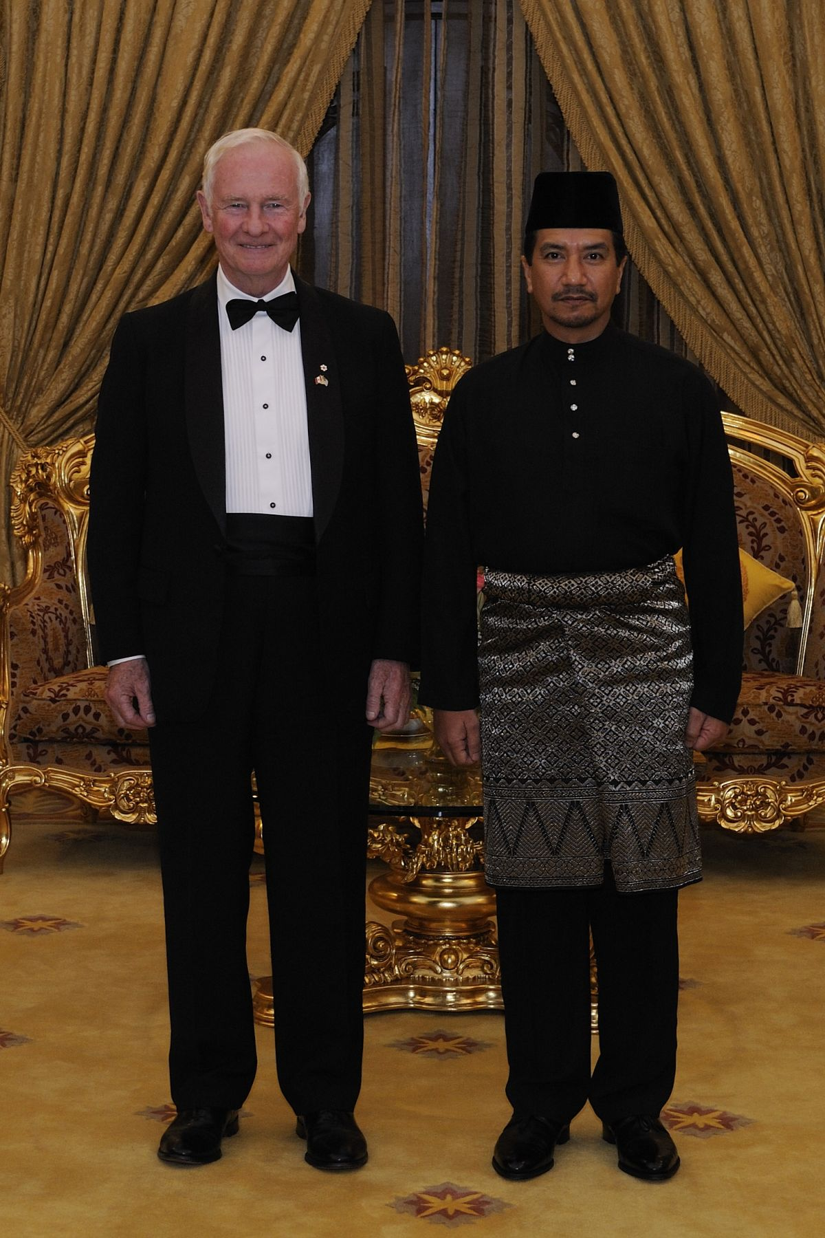In the evening, His Excellency had an audience His Majesty The Yang di-Pertuan Agong, King of Malaysia, at the Istana Negara (Royal Palace).