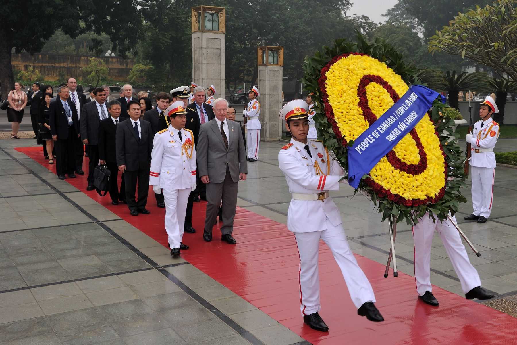 His Excellency took part in a wreath-laying ceremony at the Monument of National Heroes and Martyrs in Hanoi, Vietnam.