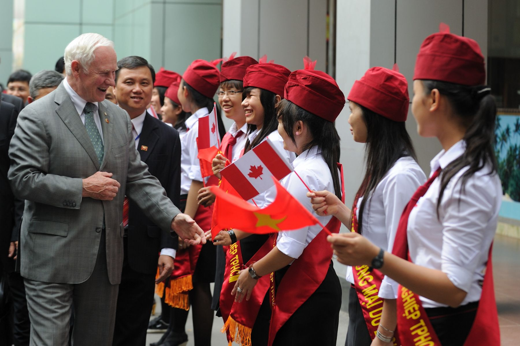 His Excellency then visited the Ho Chi Minh City University of Industry.