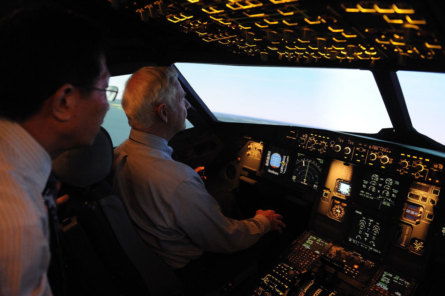 On the last day of the State vist to Singapore, the Governor General visited the Canadian Aviation Electronics (CAE) Simulator where he had the opportunity to try the simulator while receiving an overview of CAE's capabilities and its current activities and growth for Singapore and the Association of Southeast Asian Nations region.