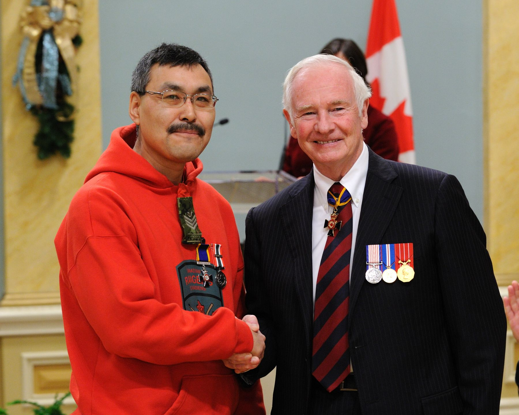 His Excellency presented the Order of Military Merit at the Member level (M.M.M.) to Sergeant Jorgan Aitaok Jr., M.M.M., 1st Canadian Ranger Patrol Group, Yellowknife, Northwest Territories.