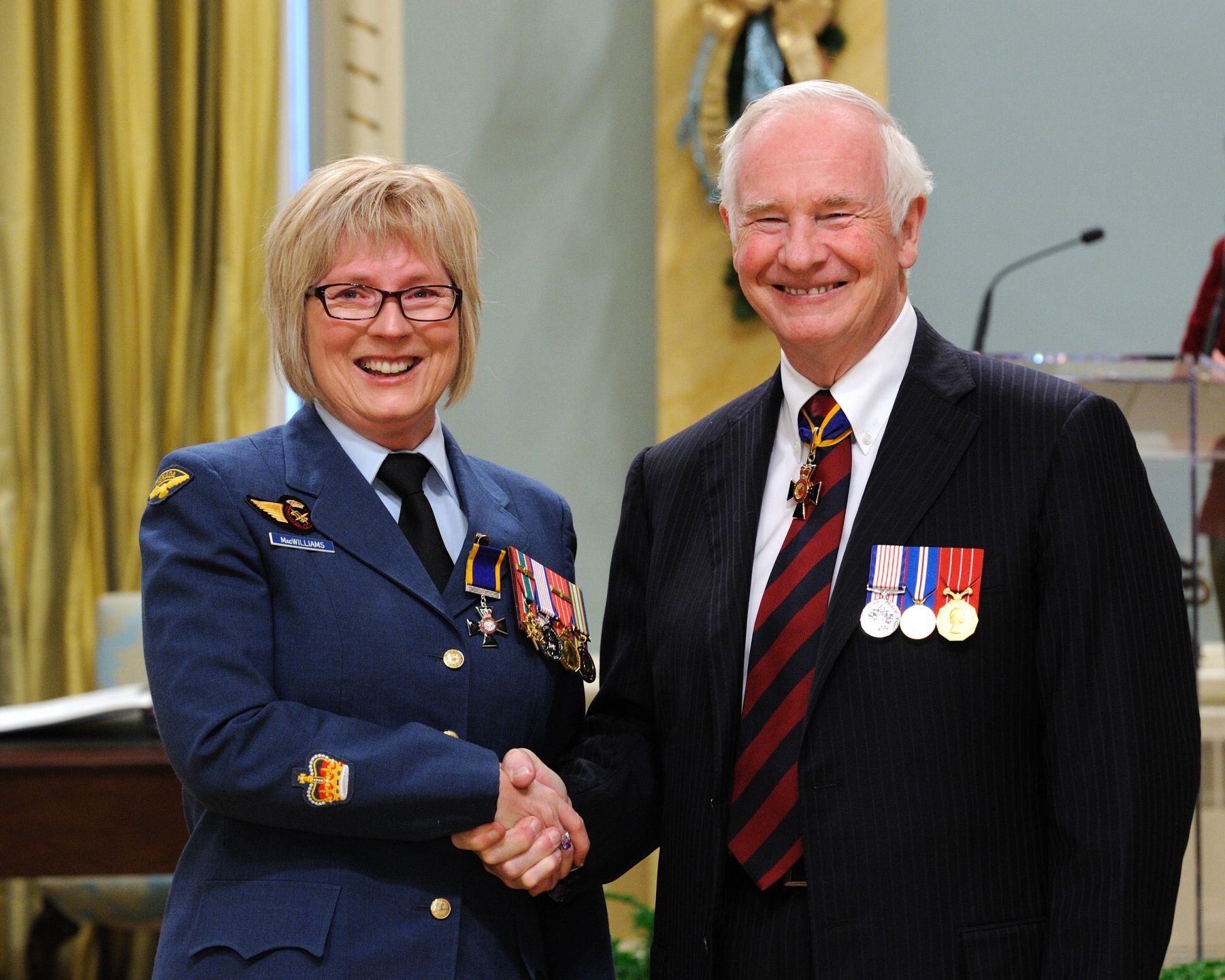 His Excellency presented the Order of Military Merit at the Member level (M.M.M.) to Warrant Officer Patricia MacWilliams, M.M.M., C.D., 408 Tactical Helicopter Squadron, Edmonton, Alberta.