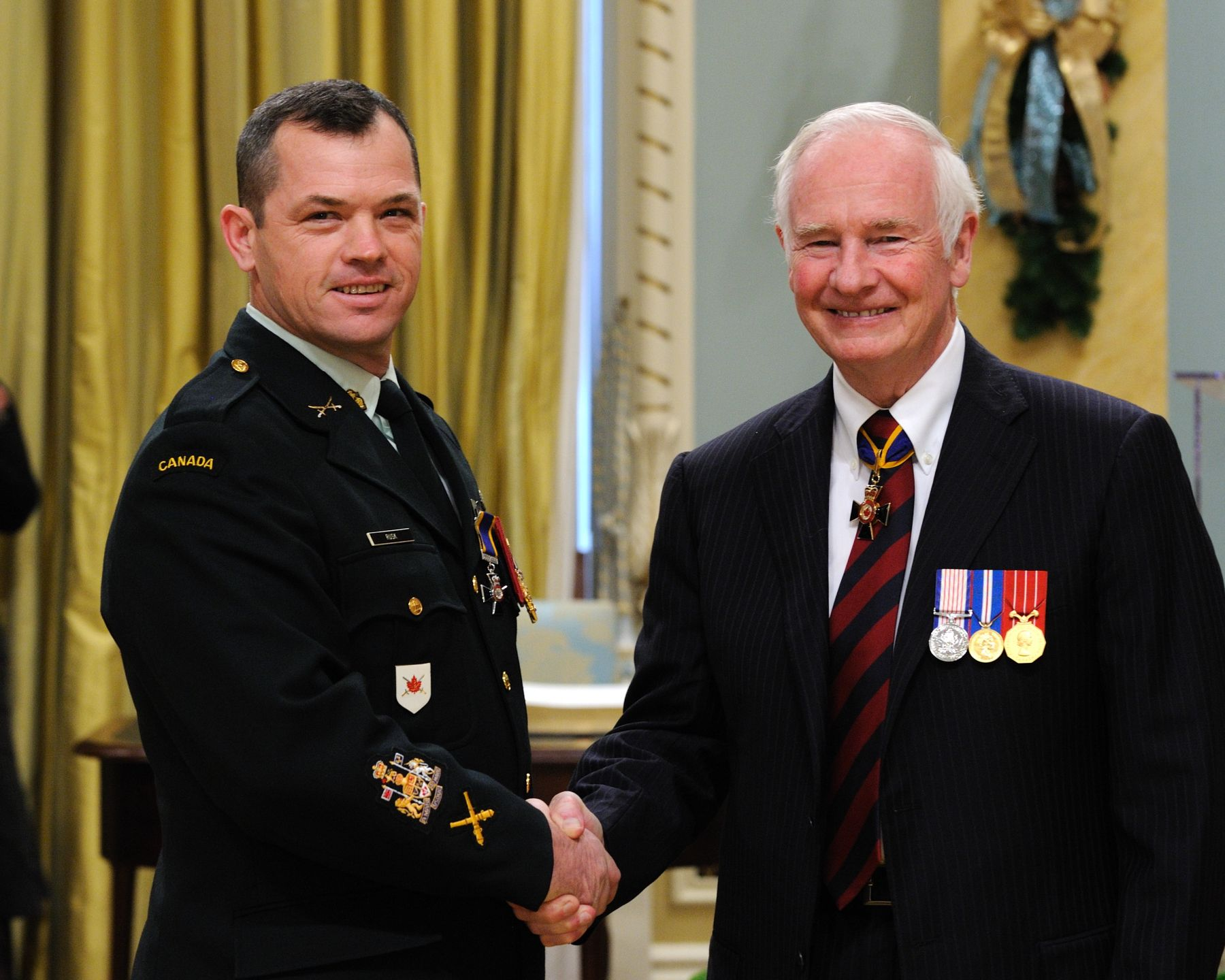 His Excellency presented the Order of Military Merit at the Member level (M.M.M.) to Chief Warrant Officer Christopher Rusk, M.M.M., C.D., 2nd Regiment Royal Canadian Horse Artillery, Petawawa, Ontario.