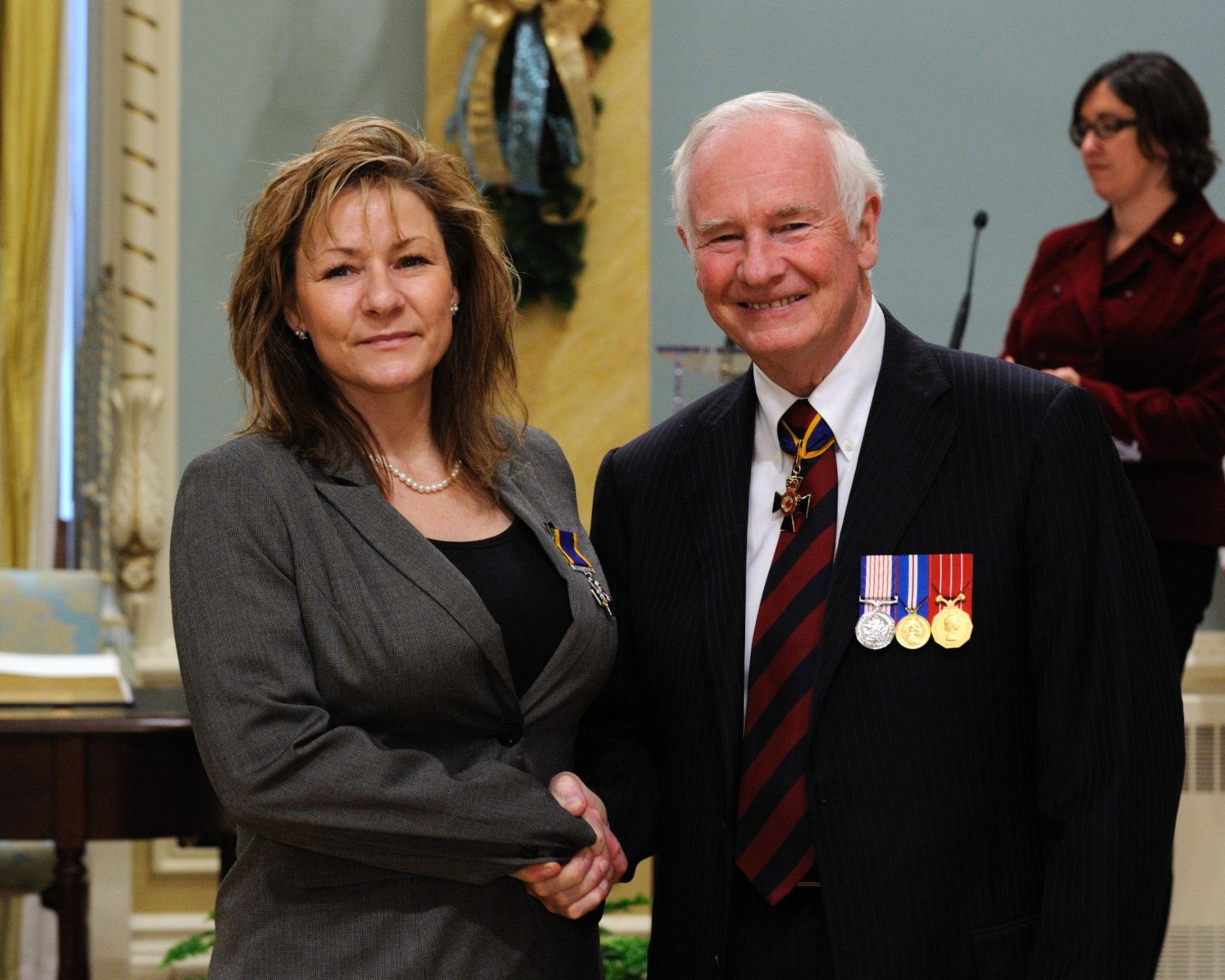 His Excellency presented the Order of Military Merit at the Member level (M.M.M.) to Warrant Officer Sylvie Seaward, M.M.M., C.D., 11 Canadian Forces Health Services Centre, Shilo, Manitoba.