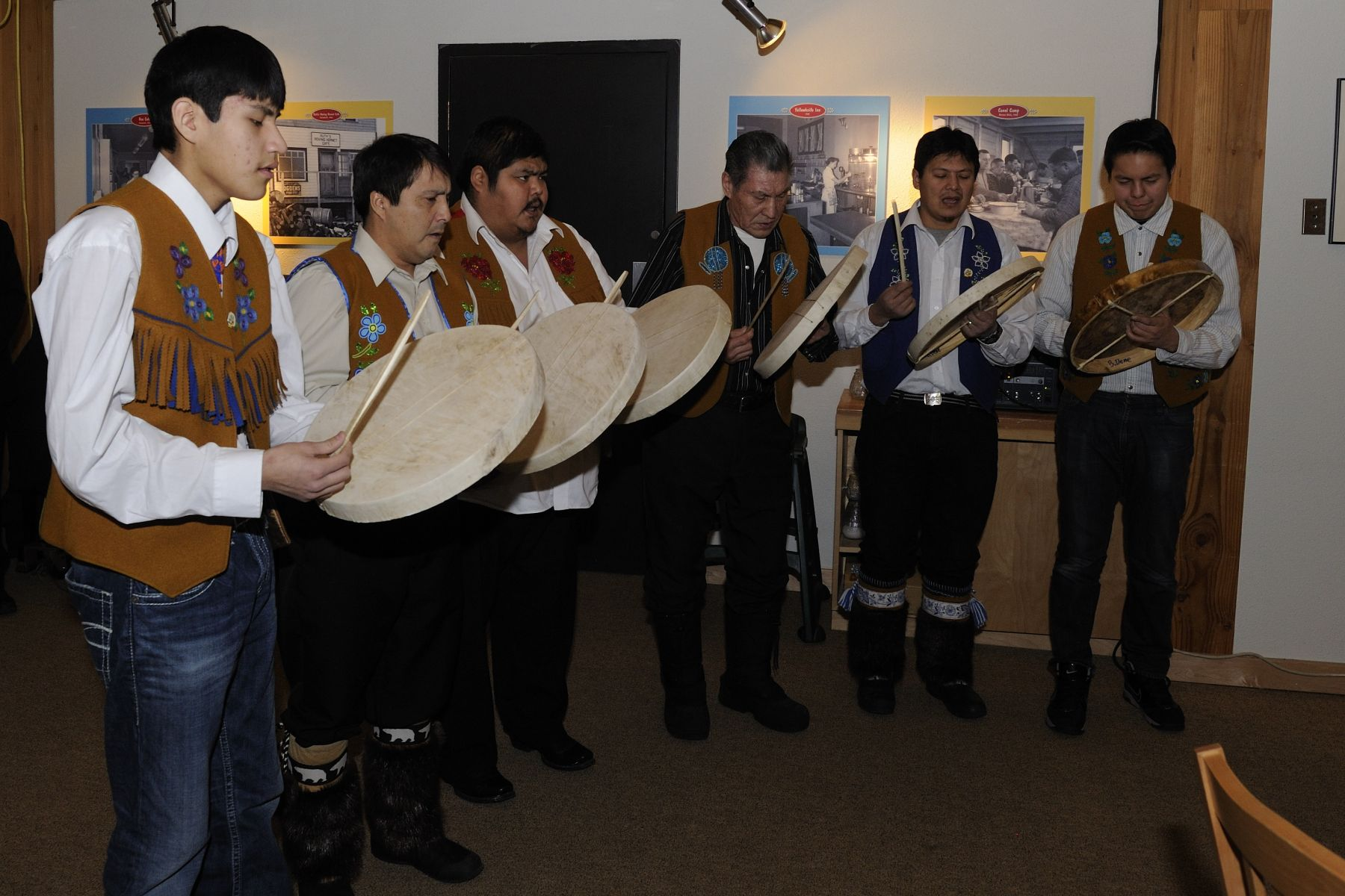 In the presence of  Elders, chiefs of the Tulita Dene region, researchers and high school students, Their Excellencies attended the opening of a new exhibit entitled Hunters of the Alpine Ice at the Prince of Wales Northern Heritage Centre.