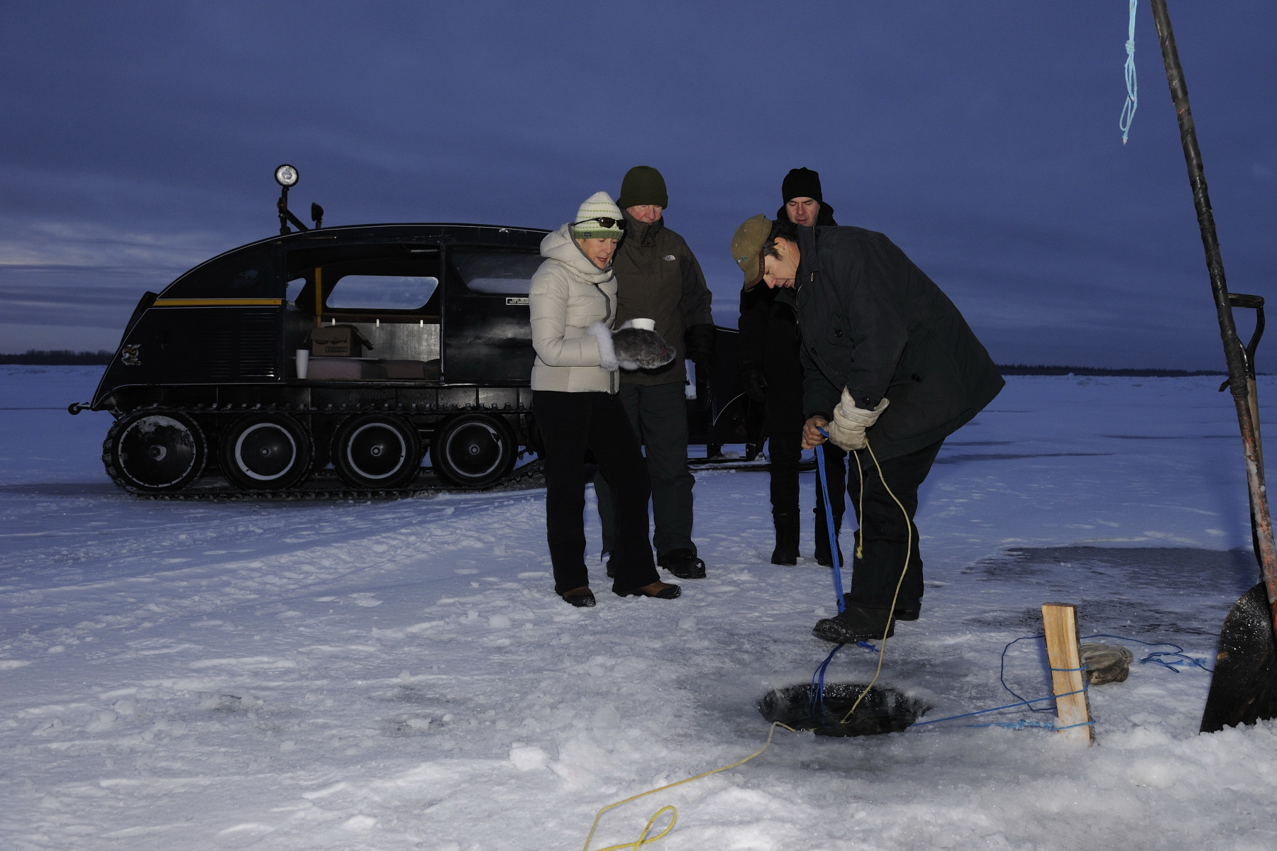 Their Excellencies were introduced to Shawn Buckley, a local fisherman from Hay River, who gave an ice fishing demonstration and shared with Their Excellencies the challenges they face in the North as they compete in the global fishing market.