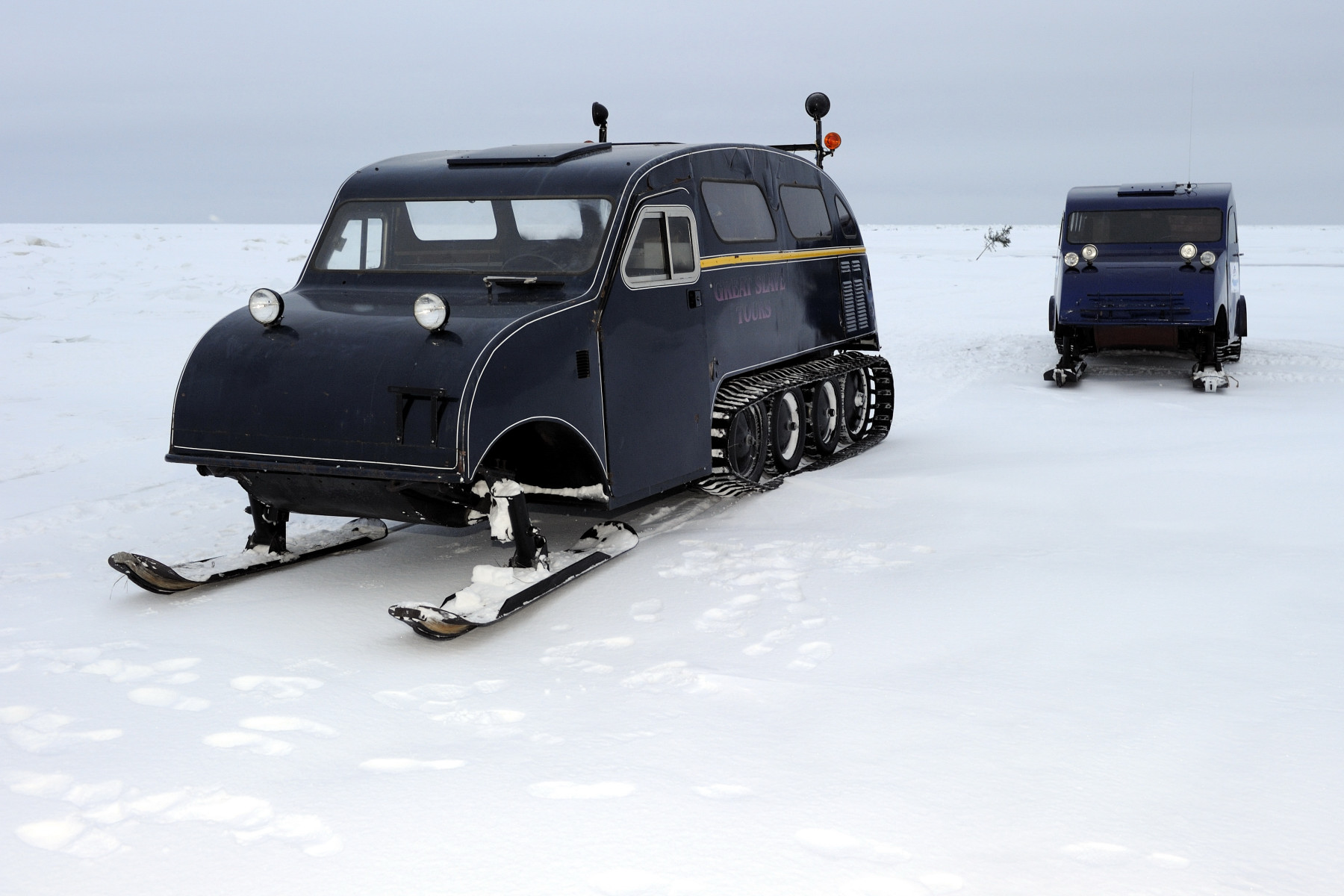 Their Excellencies were transported by old Bombardier snowmobile where they visited the ice fishing fields on Great Slave Lake in the Northwest Territories.