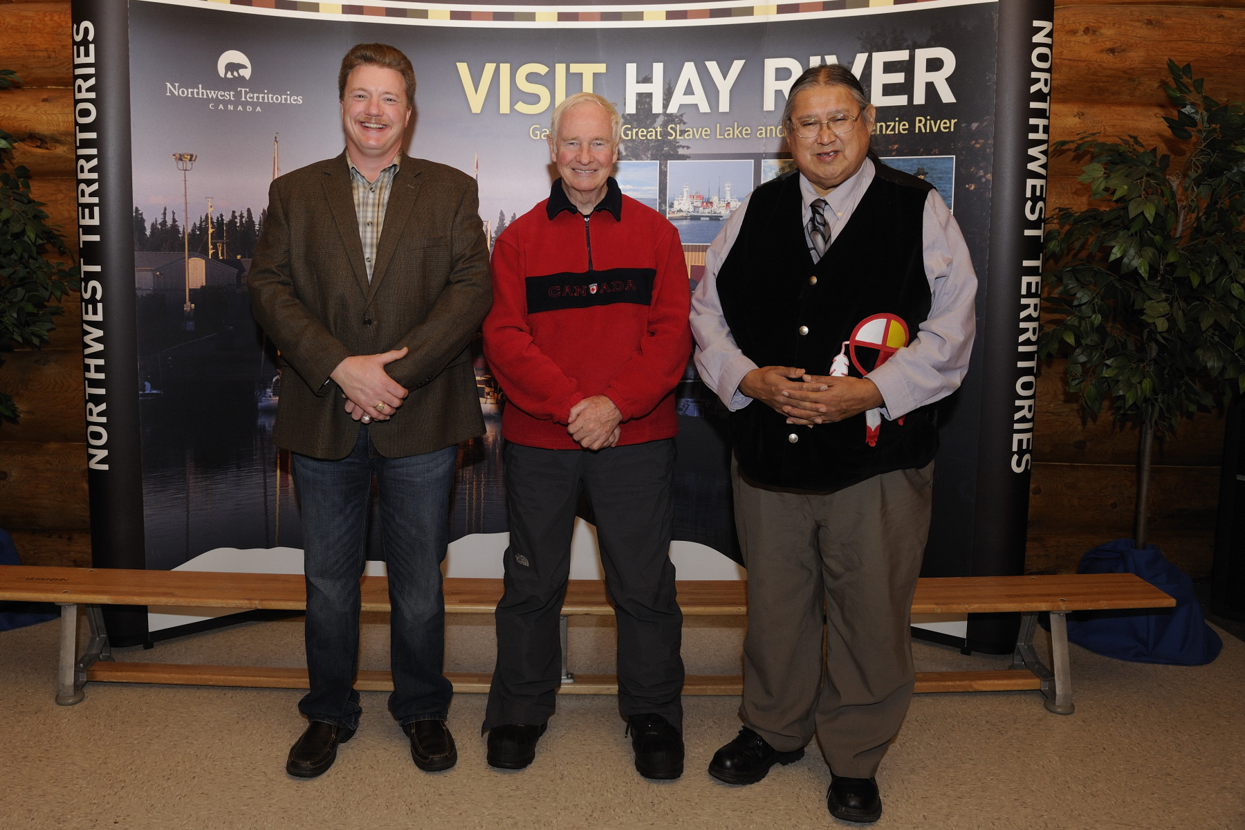During a community reception hosted by the Town of Hay River, His Excellency was offered a warm welcome by His Worship Kelly Schofield (left), Mayor of the Town of Hay River, and Chief Roy Fabien (right), K'at'odeechee First Nation, along with members of the Legislative Assembly and community representatives.