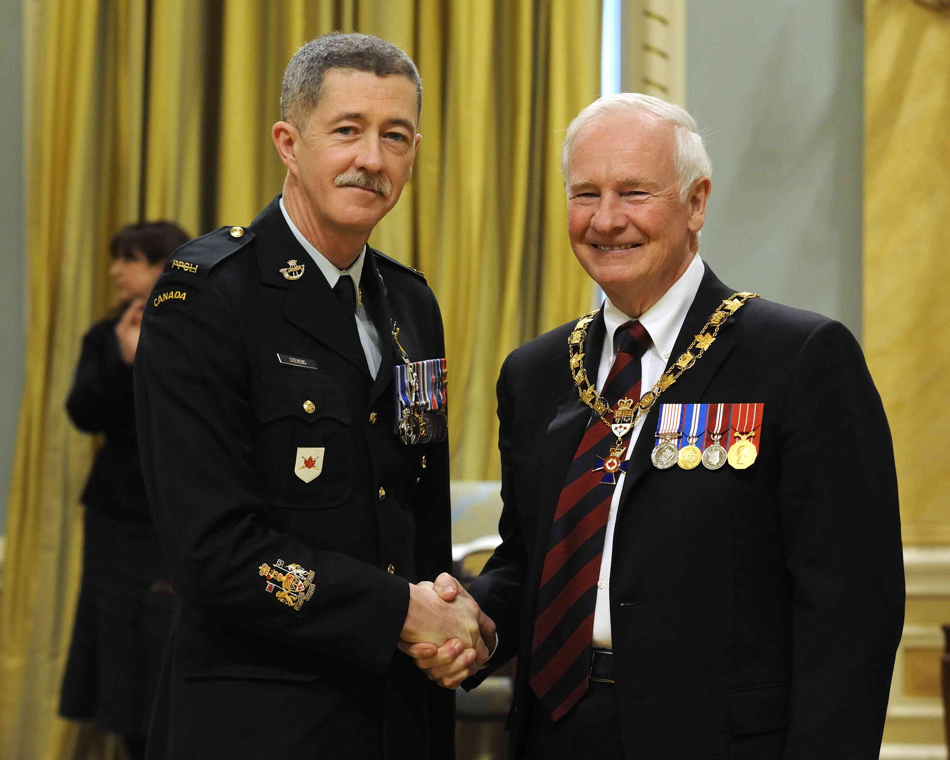 His Excellency presented the Order of Military Merit at the Member level (M.M.M.) to Chief Warrant Officer Shawn Stevens, M.M.M., M.S.C., M.S.M., C.D., 1st Battalion, Princess Patricia's Canadian Light Infantry, Edmonton, Alta.