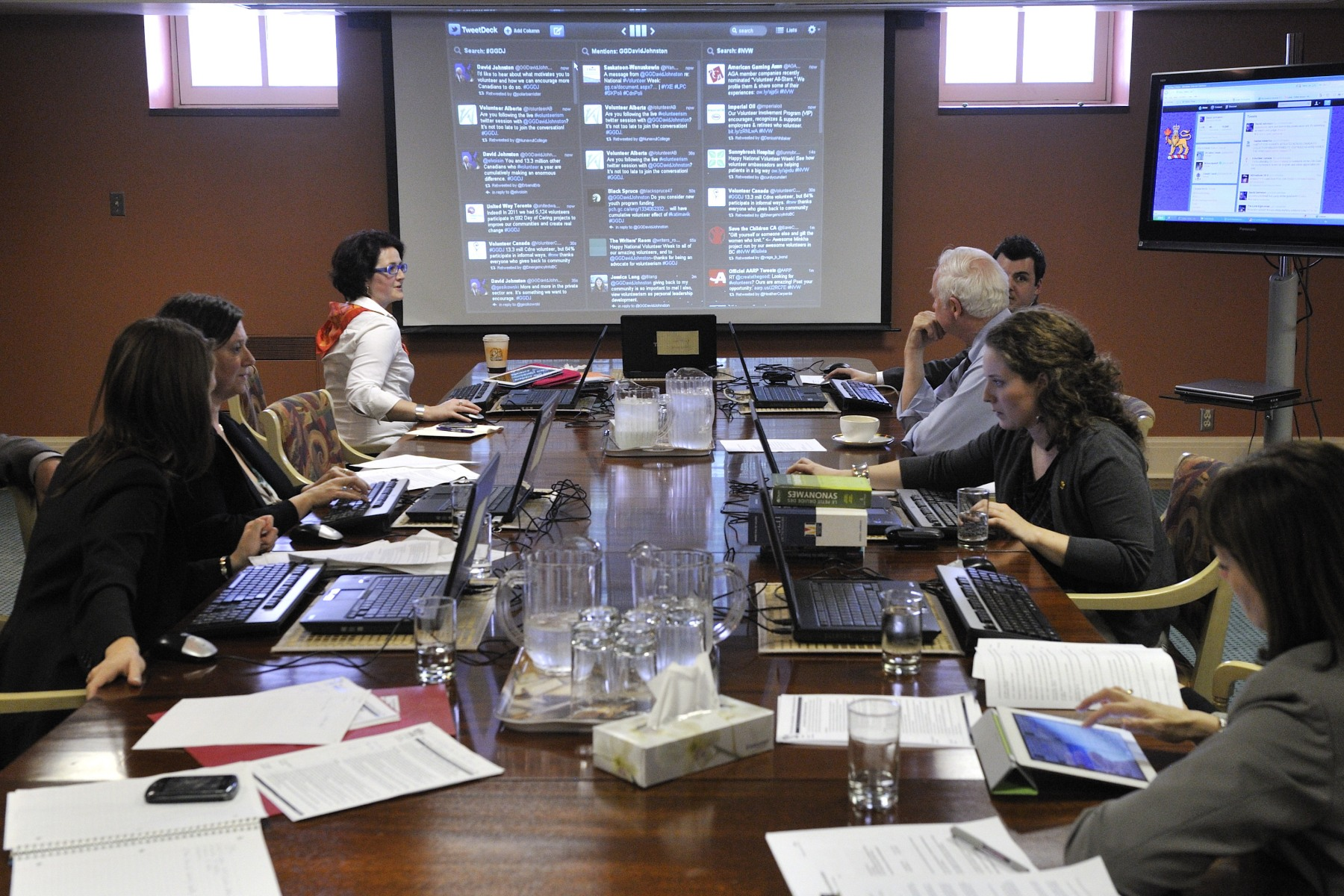 The Governor General invited all Canadians to join him for a 45-minute live Twitter session.