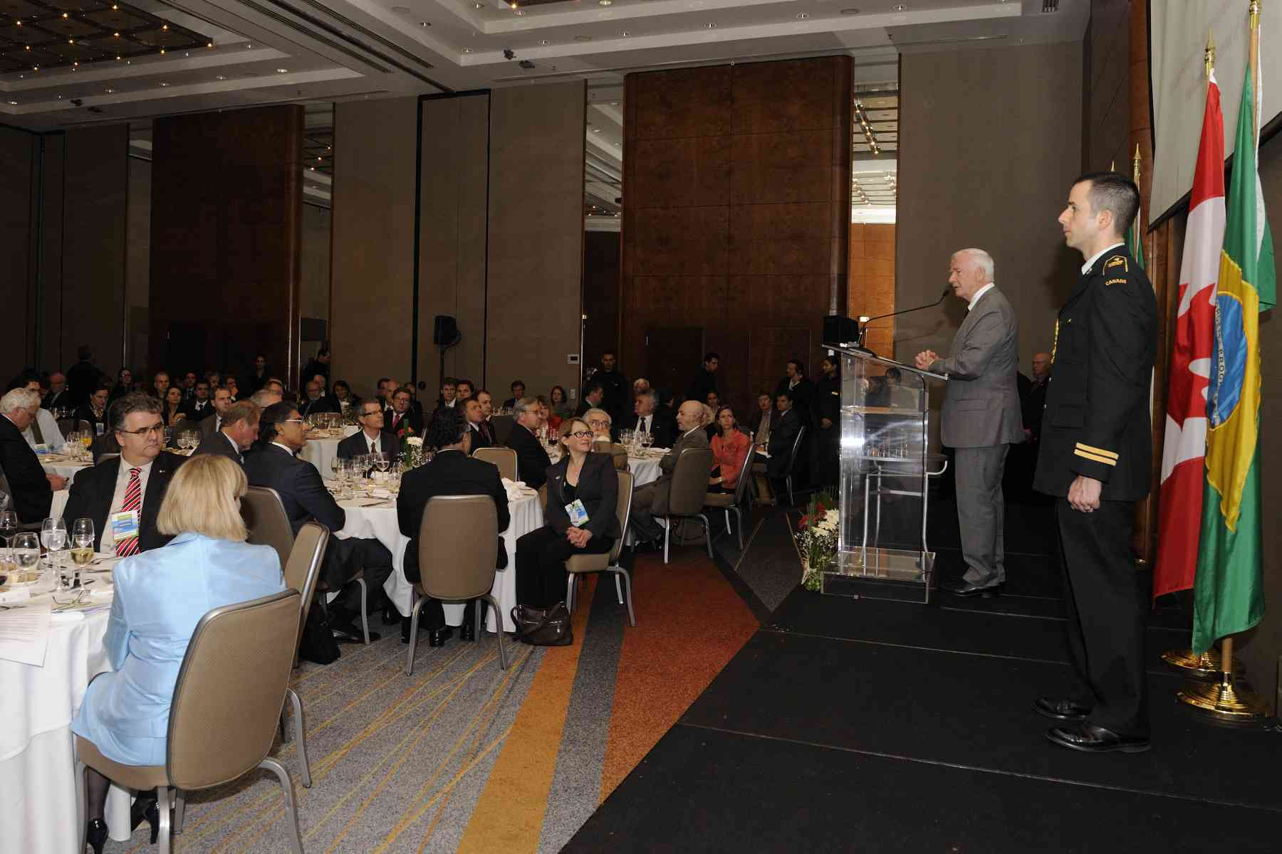 His Excellency and the Canadian delegation attended a luncheon with business leaders, opinion makers, members of academia and politicians from the city of São Paulo and from across Brazil. The Governor General delivered remarks on this occasion.