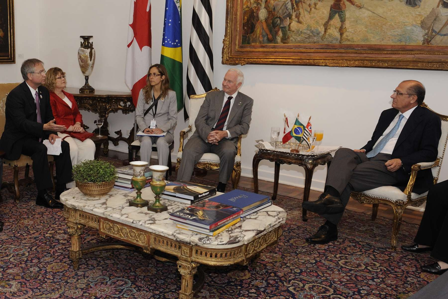 Selected members of the Canadian delegation also took part in the courtesy Call with the Governor of the State of São Paulo.
