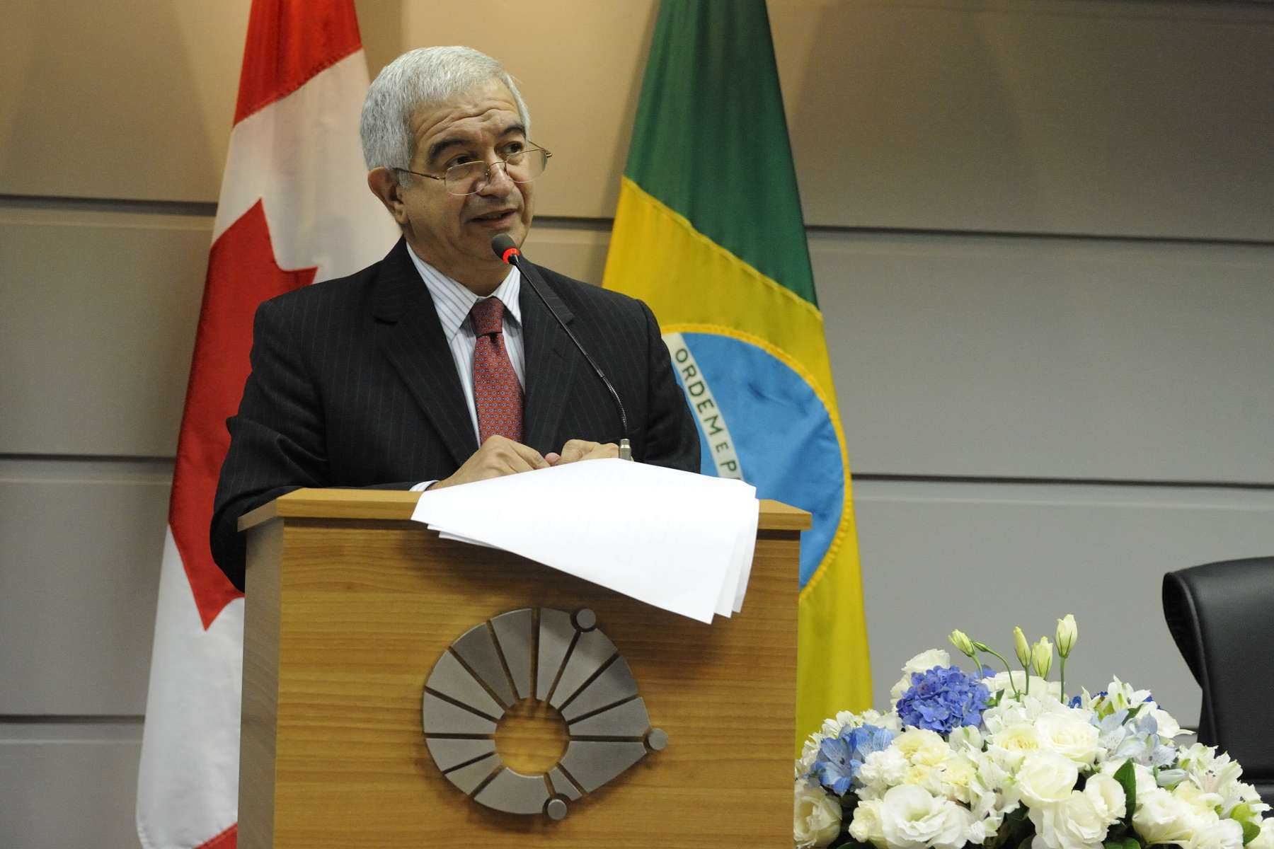 Fernando Costa, President of UNICAMP, addressed the participants.