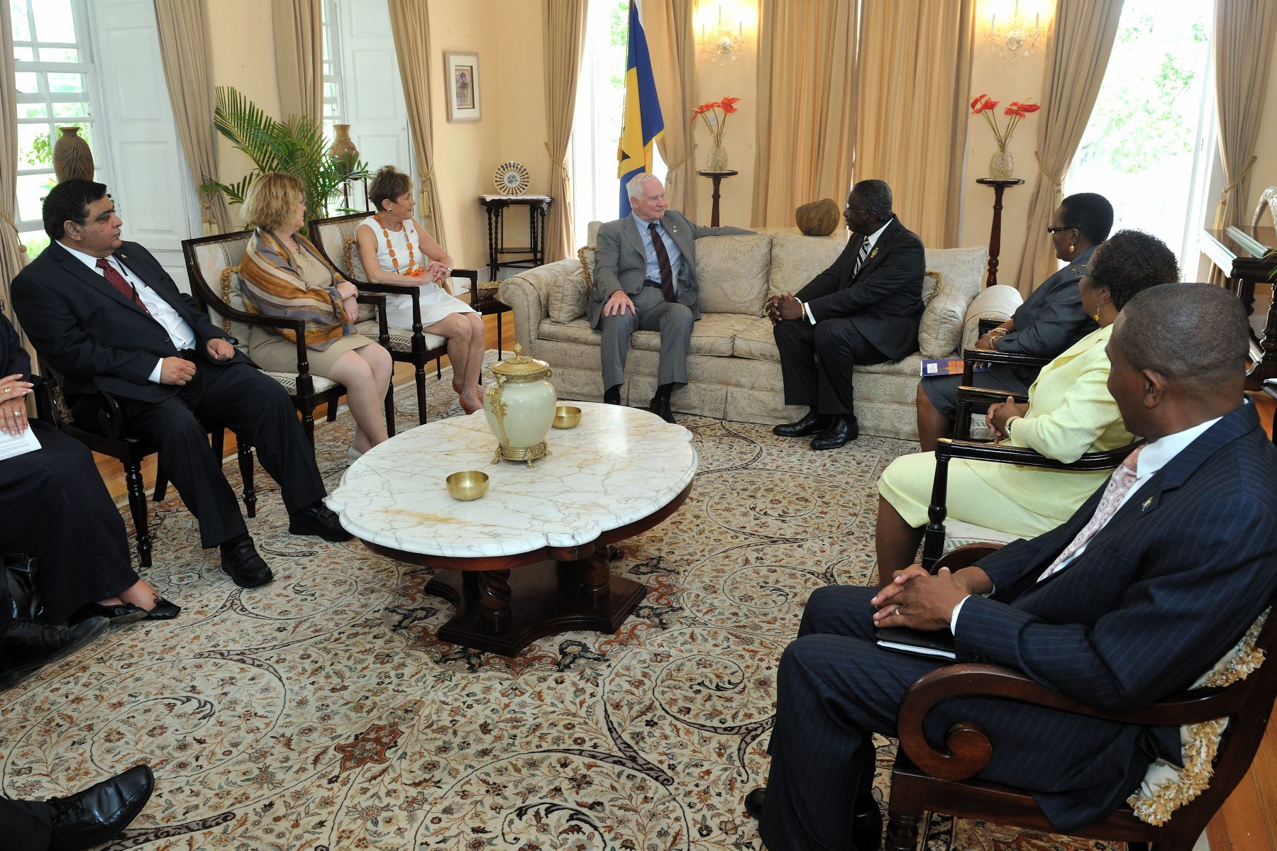 Their Excellencies and selected members of the Canadian delegation met with the Honourable Freundel Stuart, Prime Minister of Barbados.