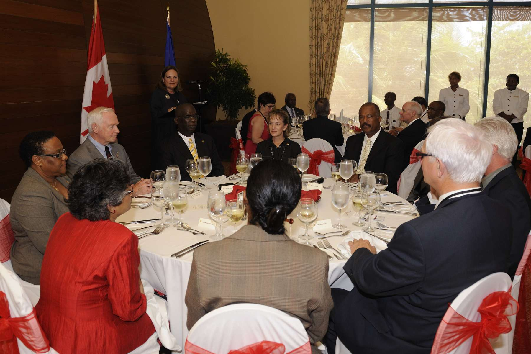 The Governor General and the Canadian delegation attended a networking lunch with government officials, as well as with Canadian and Barbadian representatives from the business, cultural and academic communities.