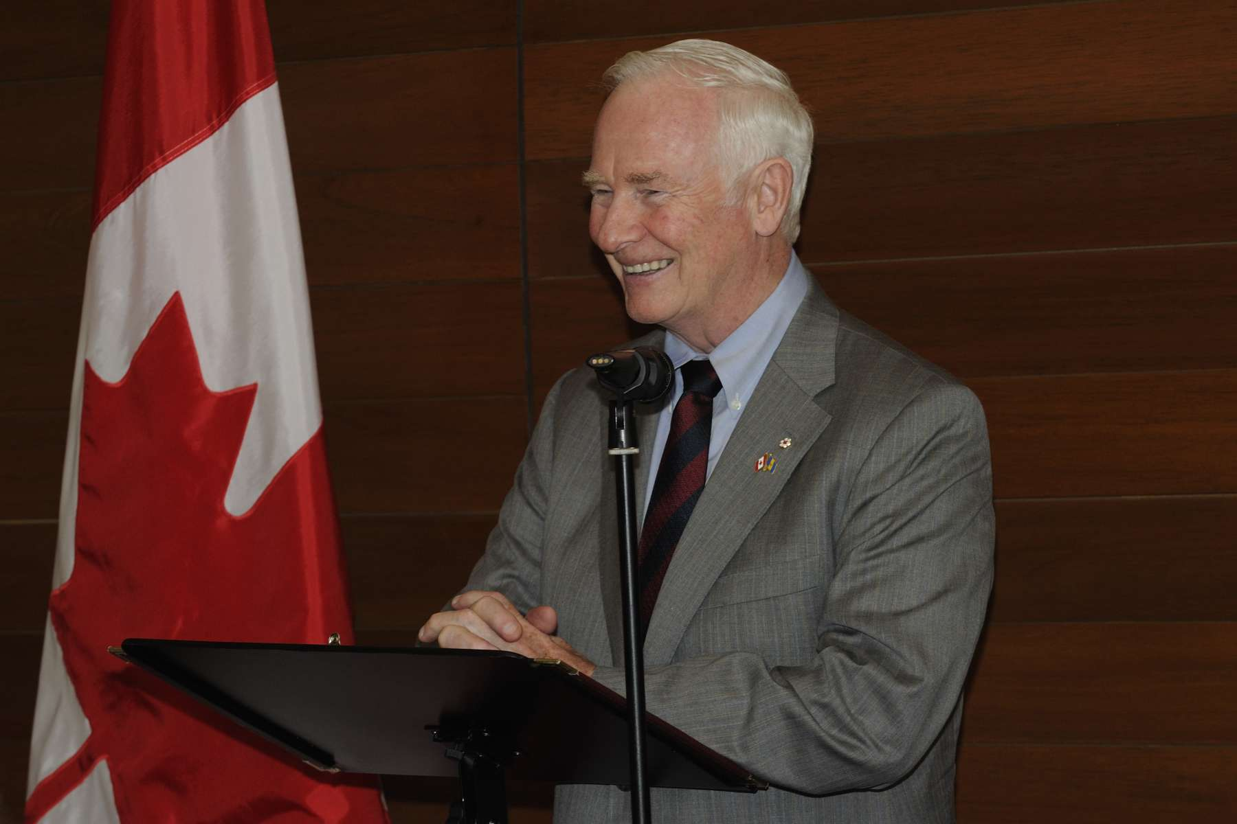 The Governor General proposed a toast in honour of Her Majesty Queen Elizabeth II's Diamond Jubilee celebrations.
