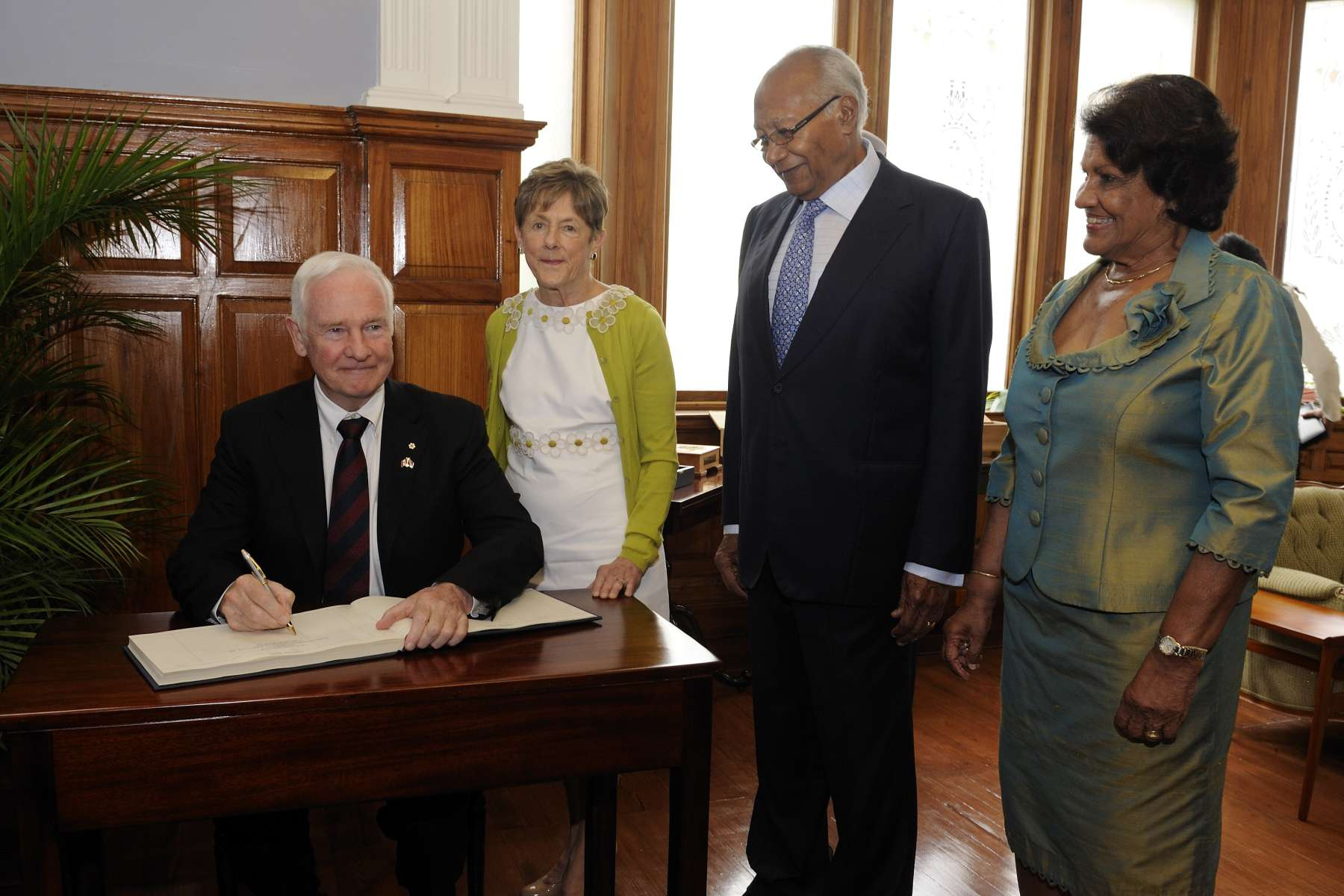 Their Excellencies met with His Excellency George Maxwell Richards, President of the Republic of Trinidad and Tobago.