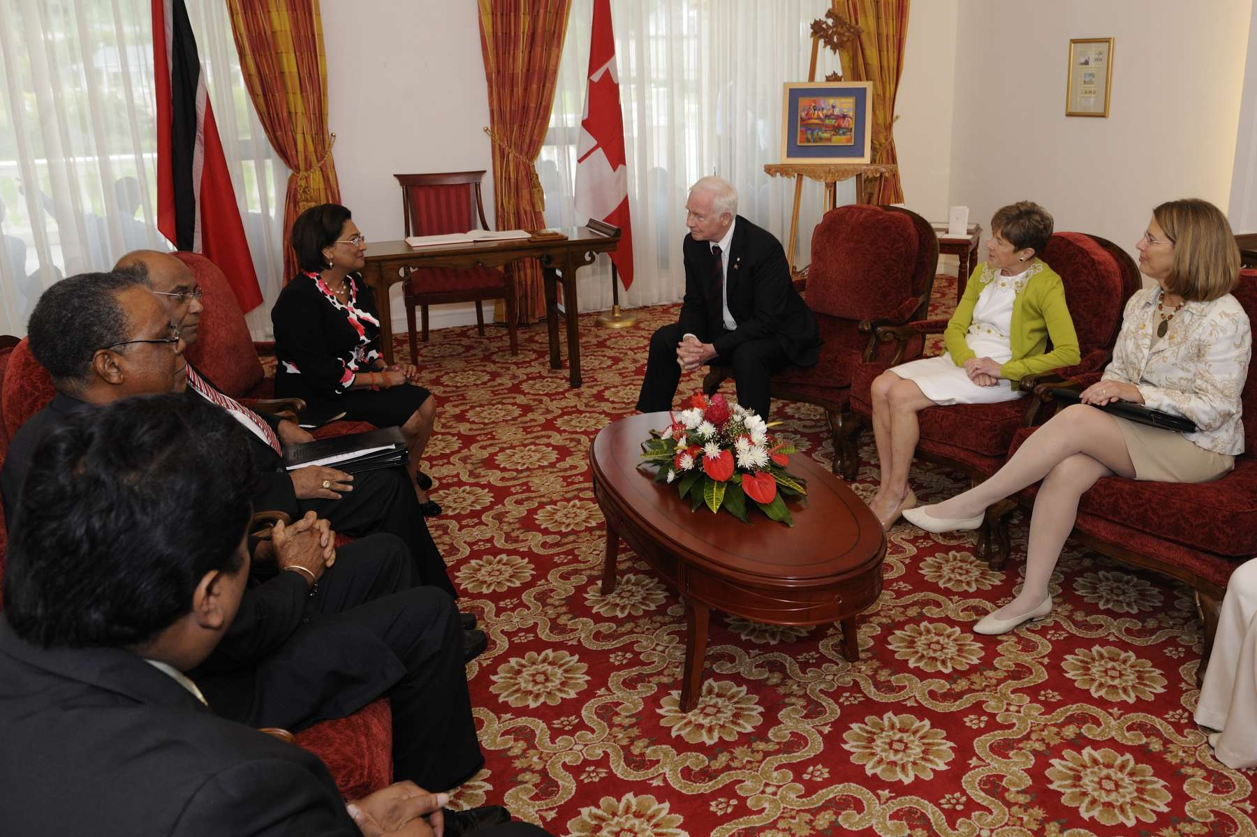 Their Excellencies met meet with the Honourable Kamla Persad-Bissessar, Prime Minister of the Republic of Trinidad and Tobago. An expanded meeting with the Canadian delegation followed.
