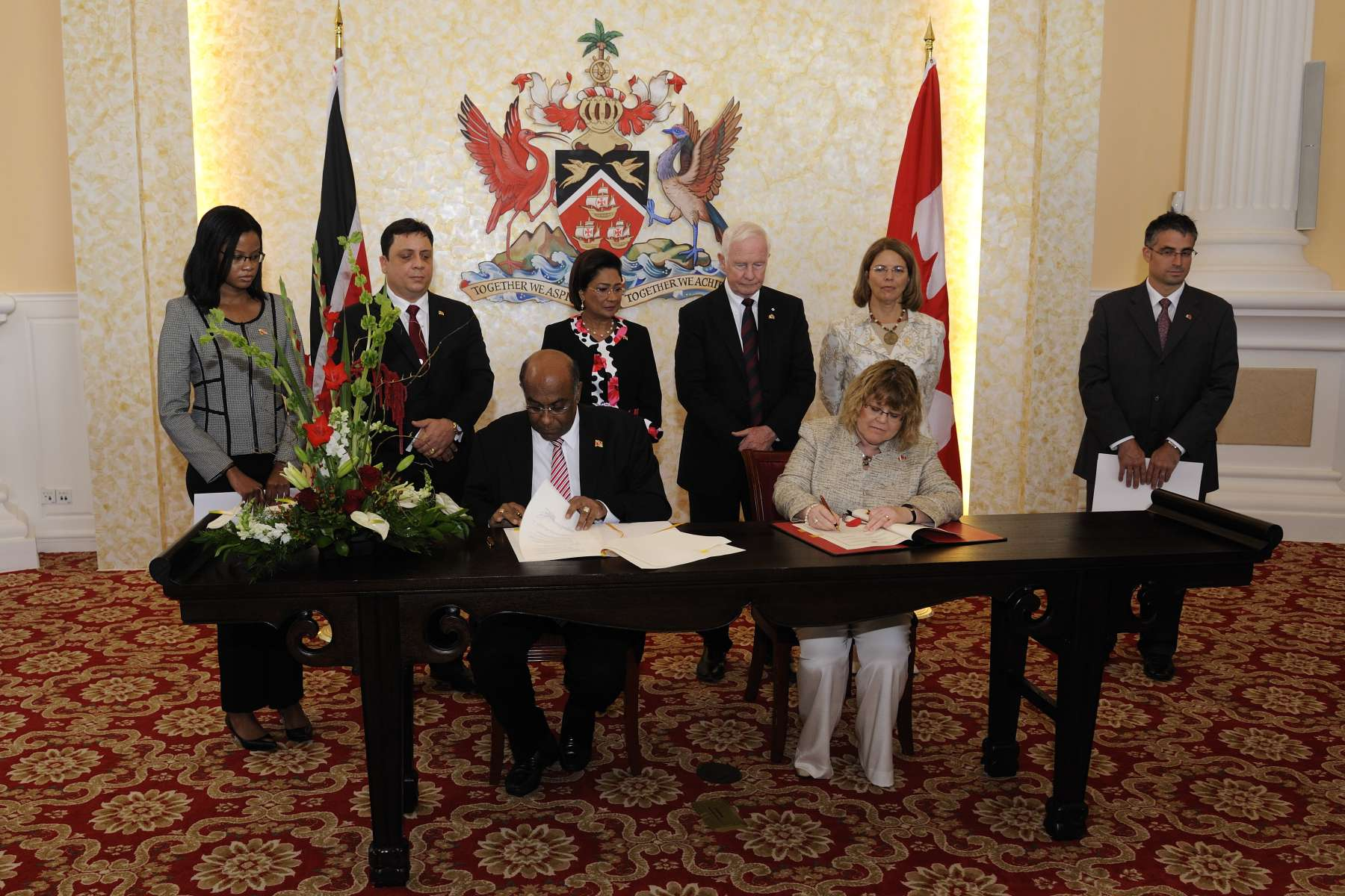 Following the meeting, the signature of a Technical Framework Arrangement with Trinidad and Tobago took place with the Honourable Diane Ablonczy, Minister of State of Foreign Affairs (Americas and Consular Affairs).