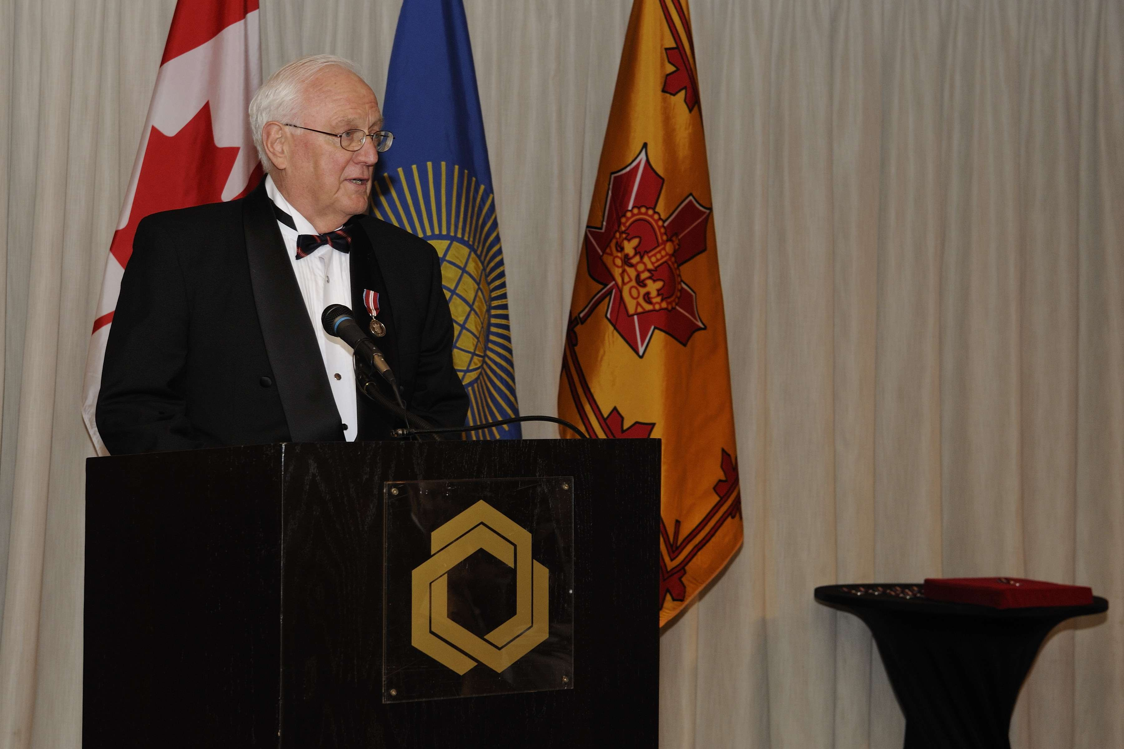 The event was co-hosted by the Royal Commonwealth Society and the Monarchist League of Canada (Ottawa Branch). Dr. Peter Meincke, President of the Ottawa Branch of the Royal Commonwealth Society of Canada, introduced the Governor General before he delivered remarks.