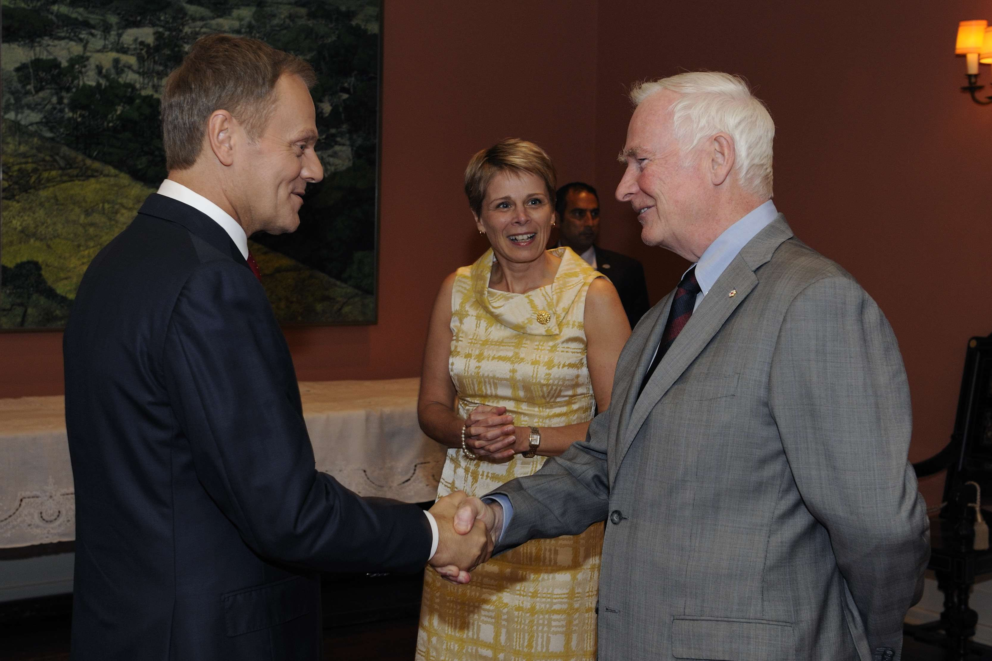 His Excellency the Right Honourable David Johnston, Governor General of Canada, met with His Excellency Donald Tusk, Prime Minister of the Republic of Poland, at Rideau Hall, on May 14, 2012.