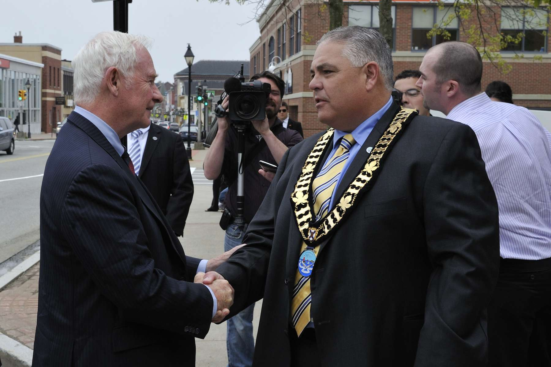 In the afternoon, His Excellency went to Yarmouth to meet with city mayor His Worship Phil Mooney.