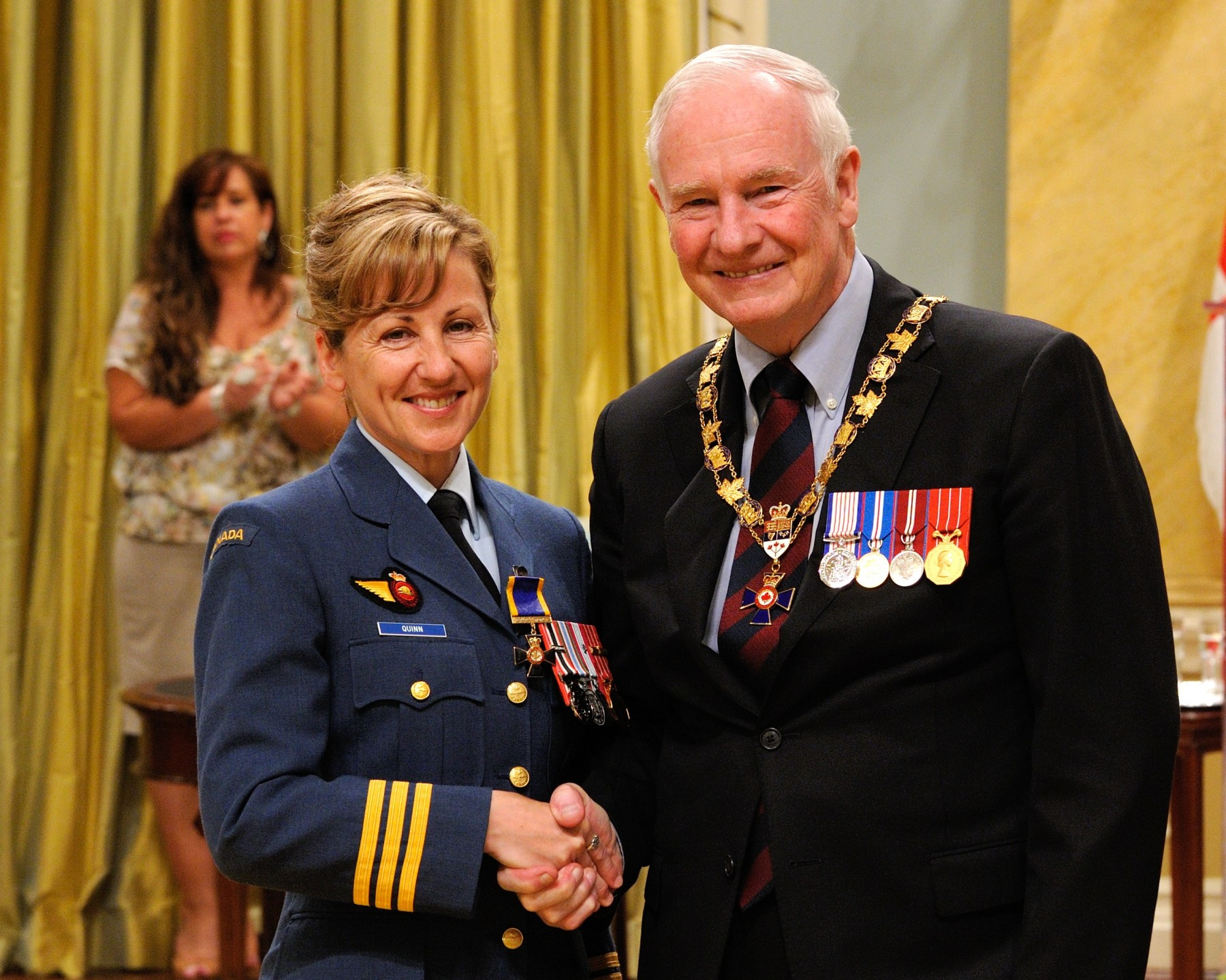His Excellency presented the Order of Military Merit at the Officer level (O.M.M.) to Lieutenant-Colonel Darlene Quinn, O.M.M., C.D., Canadian Forces Base Esquimalt, Victoria, British Columbia.