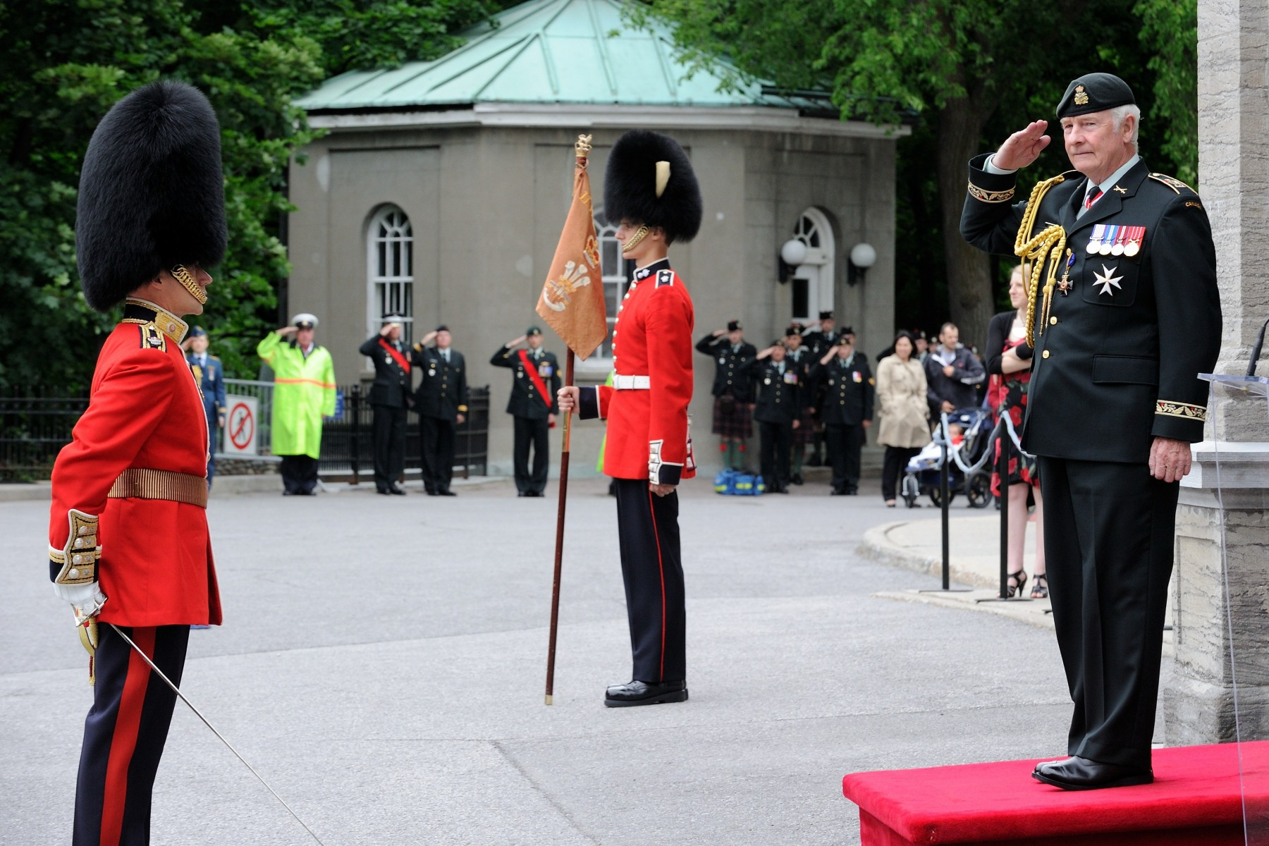 His Excellency the Right Honourable David Johnston, Governor General and Commander-in-Chief of Canada, received the Viceregal salute.