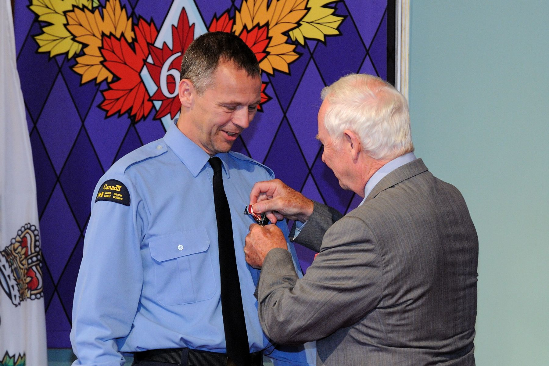To mark the CCG's 50th anniversary, the Governor General presented the Queen Elizabeth II Diamond Jubilee Medal to representatives from Fisheries and Oceans Canada and from the CCG in recognition of their significant contributions and achievements.
