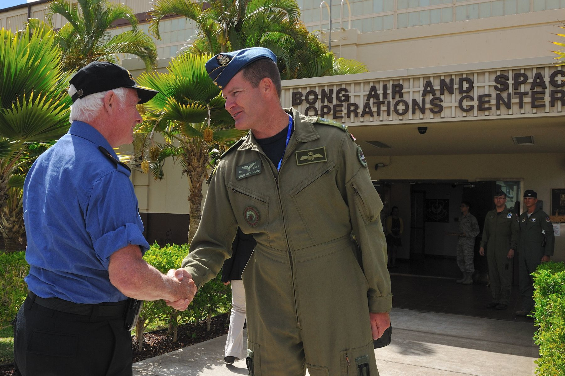 On the morning of July 20, His Excellency, joined by Brigadier-General Michael Hood, Combined Forces Air Component Commander, toured the Combined Air Operations Centre and deployed Air Force units.