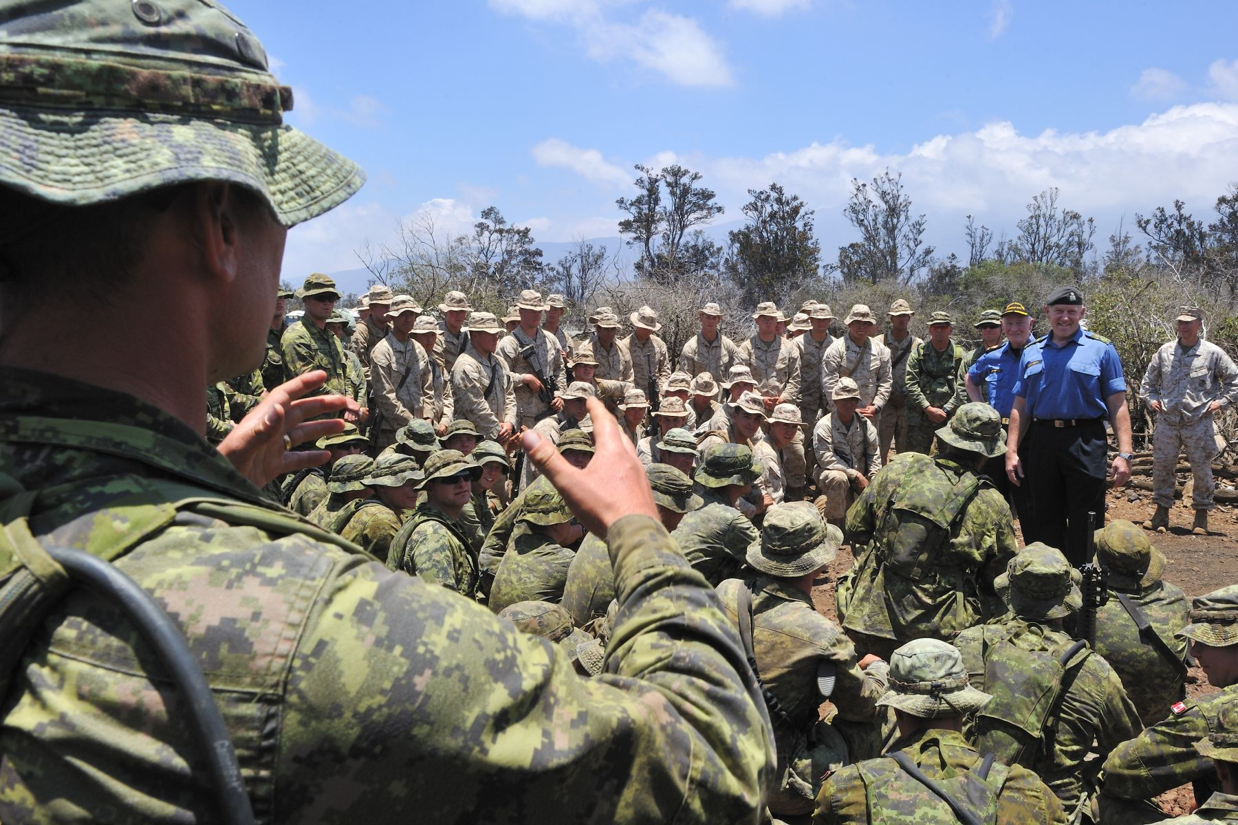 His Excellency and General Natynczyk answered questions from soldiers of 2 PPCLI.